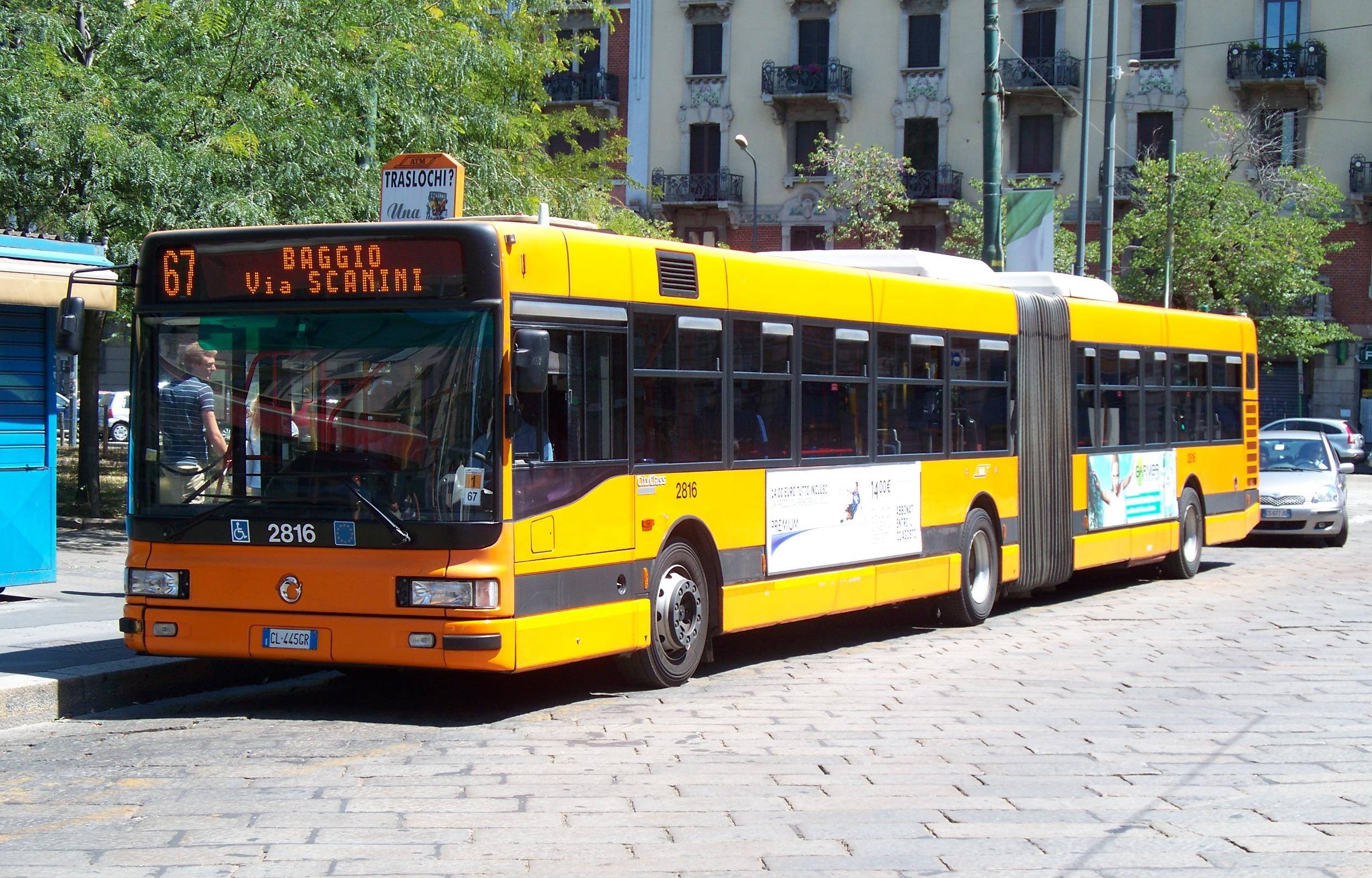 Public_bus_in_Milan,_Italy.JPG