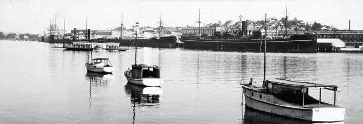 File:Queensland State Archives 142 International shipping in Bulimba Reach Brisbane River c 1932.png