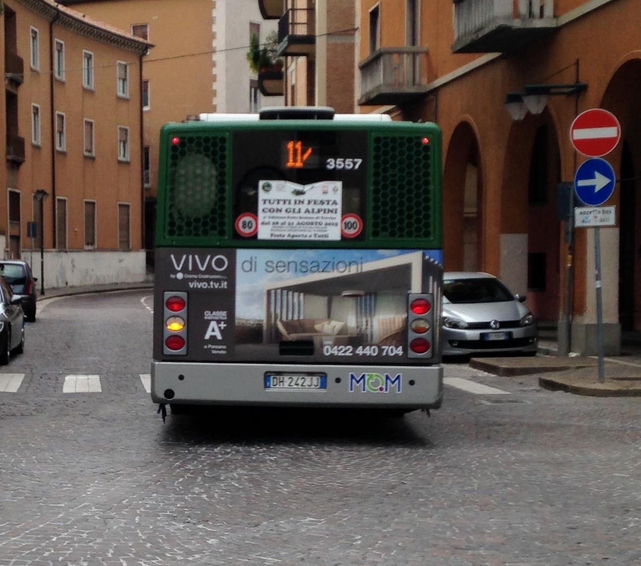File Retro Autobus Bredamenarinibus Avancity Mom