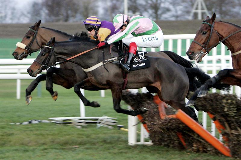 English: Robert Thornton on Katchit at the 2007 Fighting Fifth Hurdle