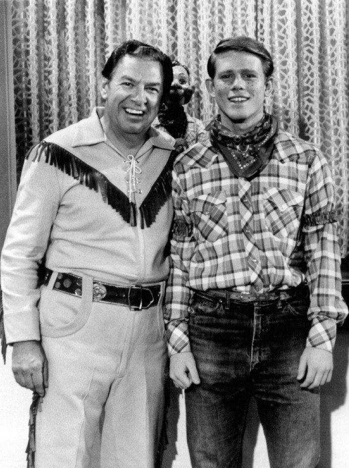File:Ron Howard Bob Smith Howdy Doody Happy Days 1975.JPG ...
