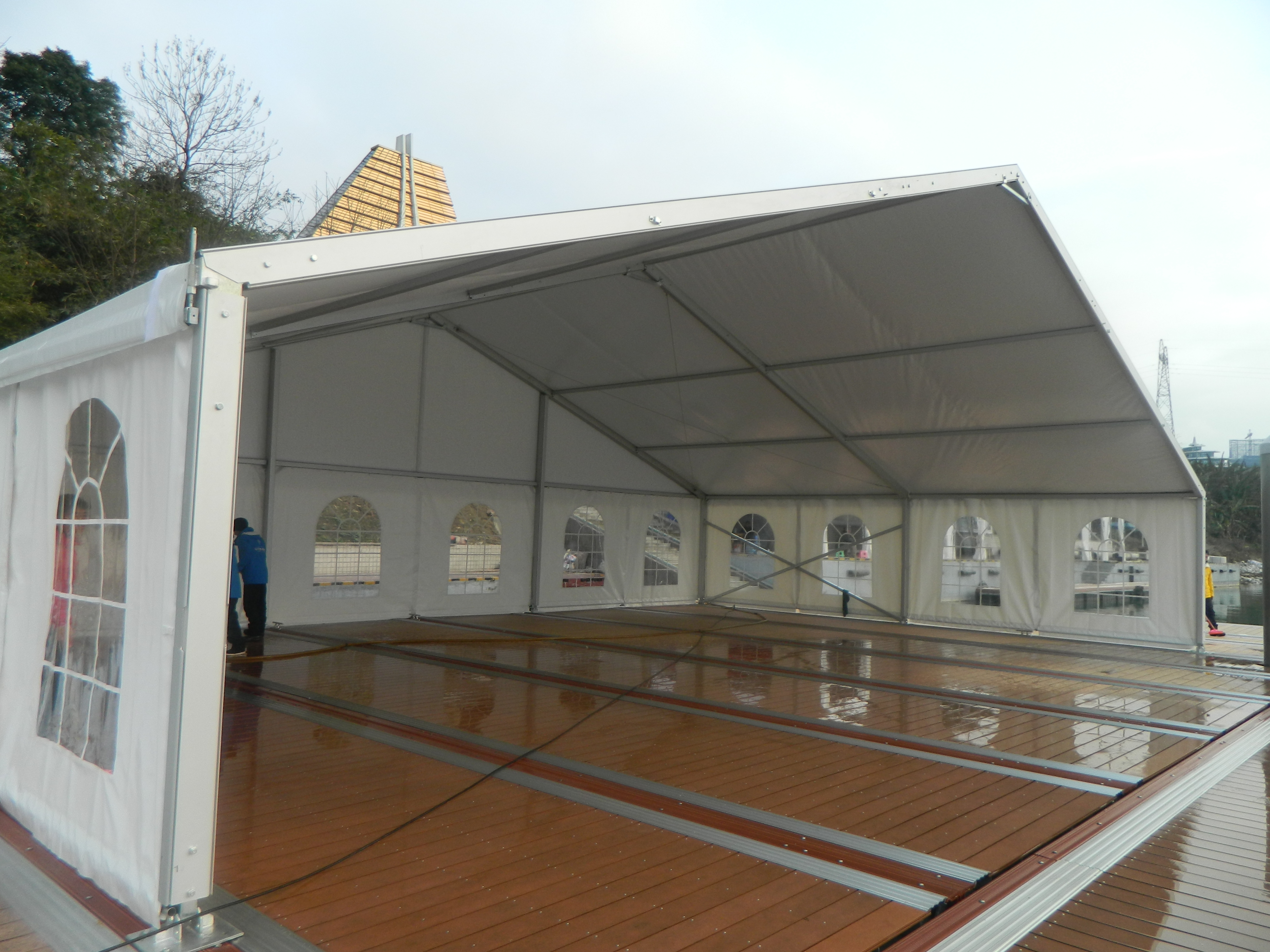 FileSmall Clear Span Tent.JPG & File:Small Clear Span Tent.JPG - Wikimedia Commons