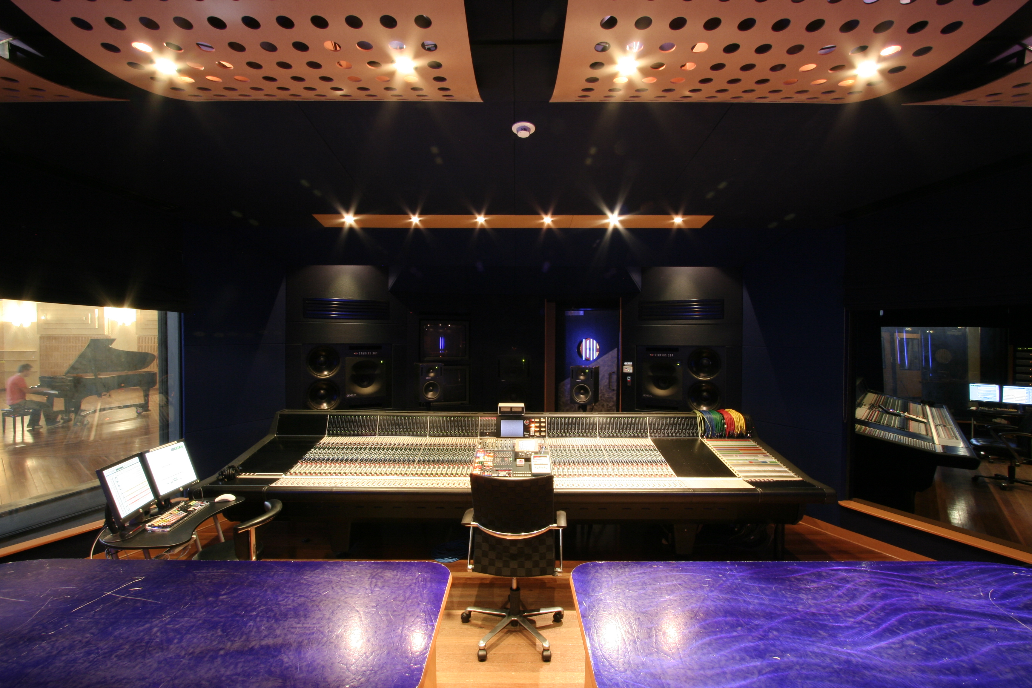 File:Studio 1 of Studi...