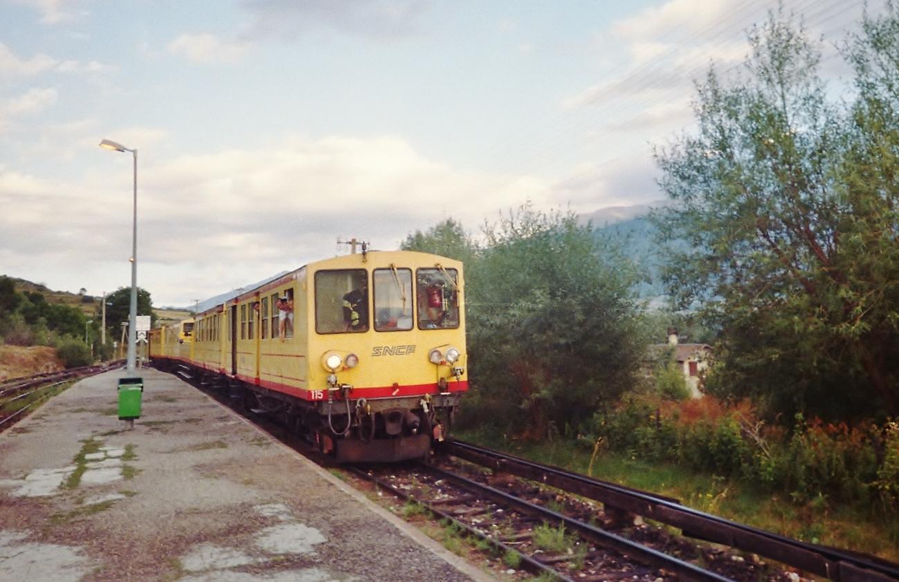 Train_%C3%A0_Font-Romeu.jpg