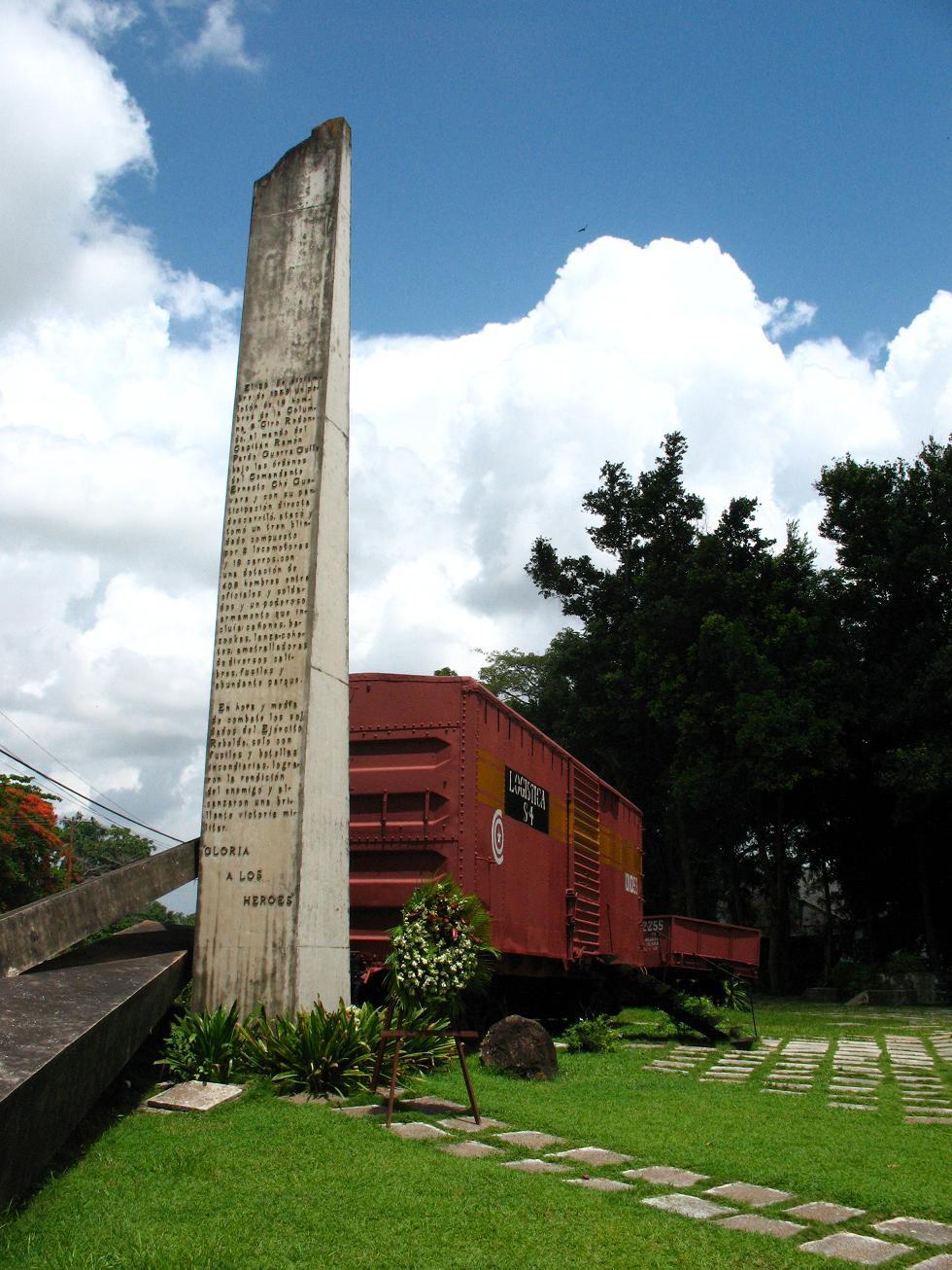 Tren blindado capturado por el Che, hoy convertido en monumento a las afueras de Santa Clara.