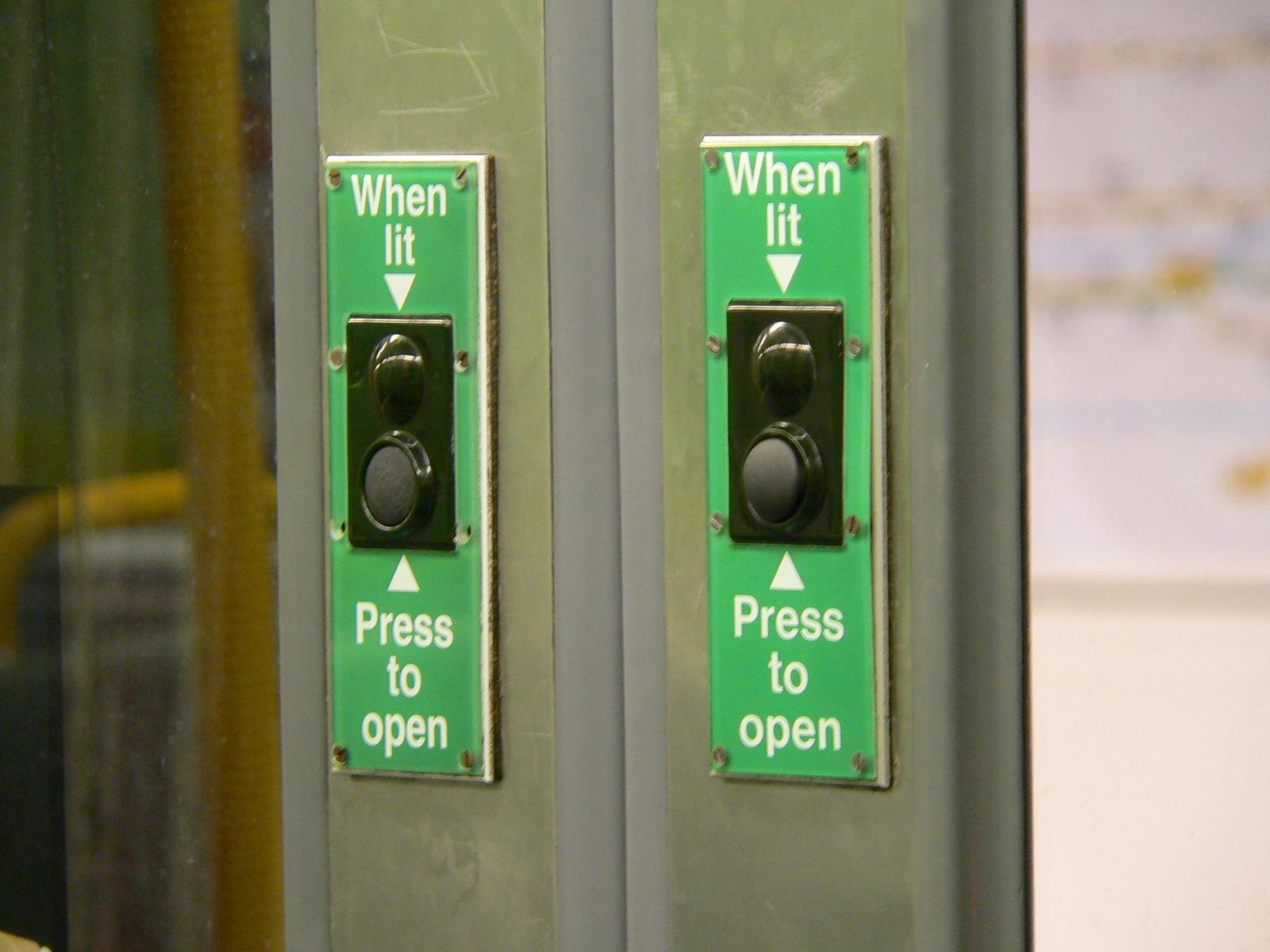 File:Tyne and Wear Metro - old-style door buttons.jpg & File:Tyne and Wear Metro - old-style door buttons.jpg - Wikimedia ... Pezcame.Com