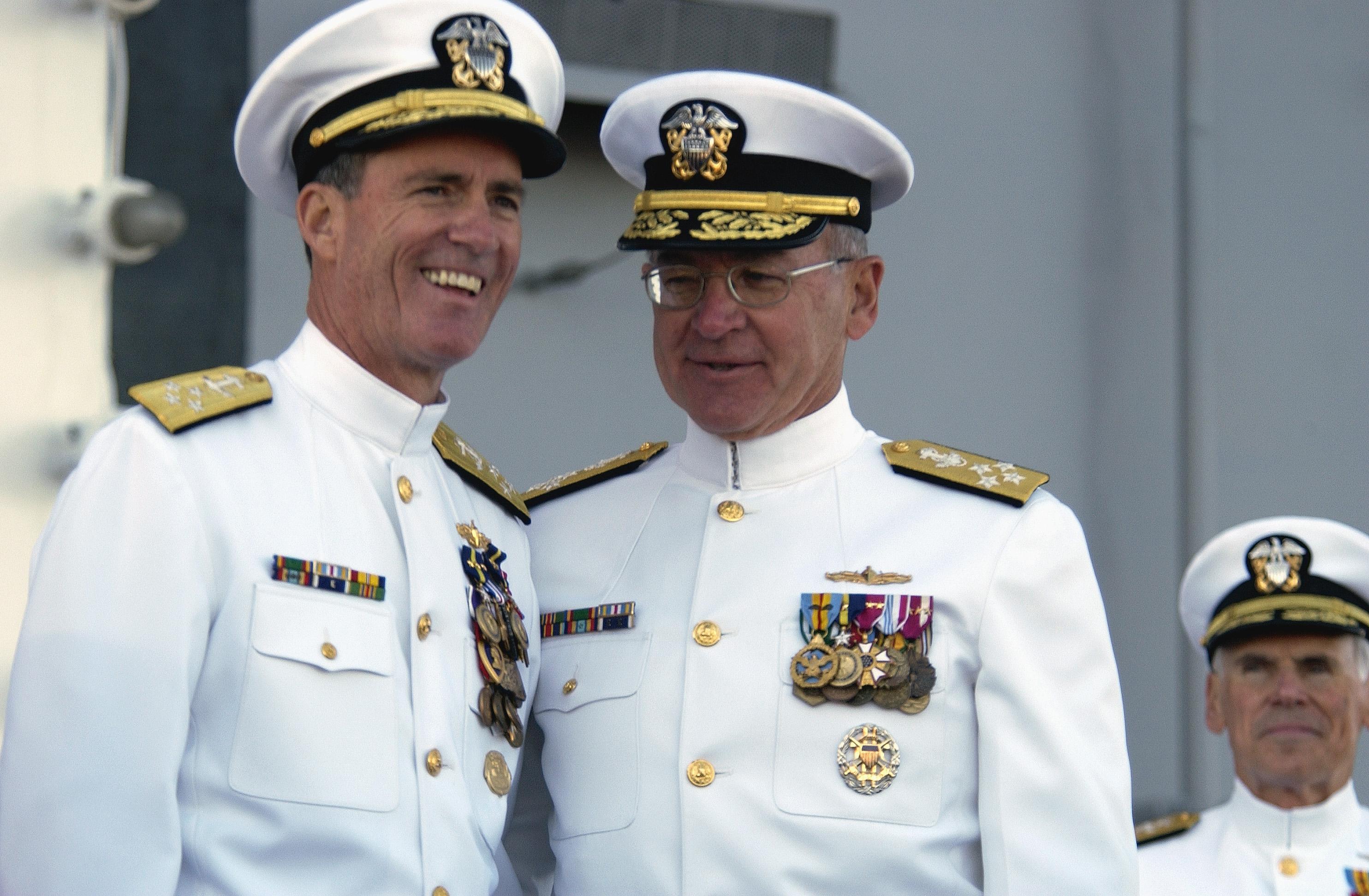 FileUS Navy 031003 N 5319A 007 Admiral Vern Clark Chief