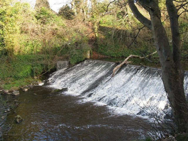 Weir on the Water of Leith at Woodhall - geograph.org.uk - 1225539