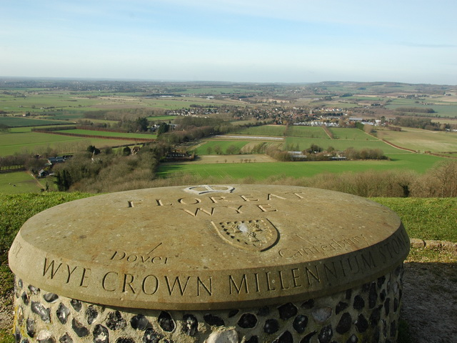 Wye Crown Millennium Stone - geograph.org.uk - 733446
