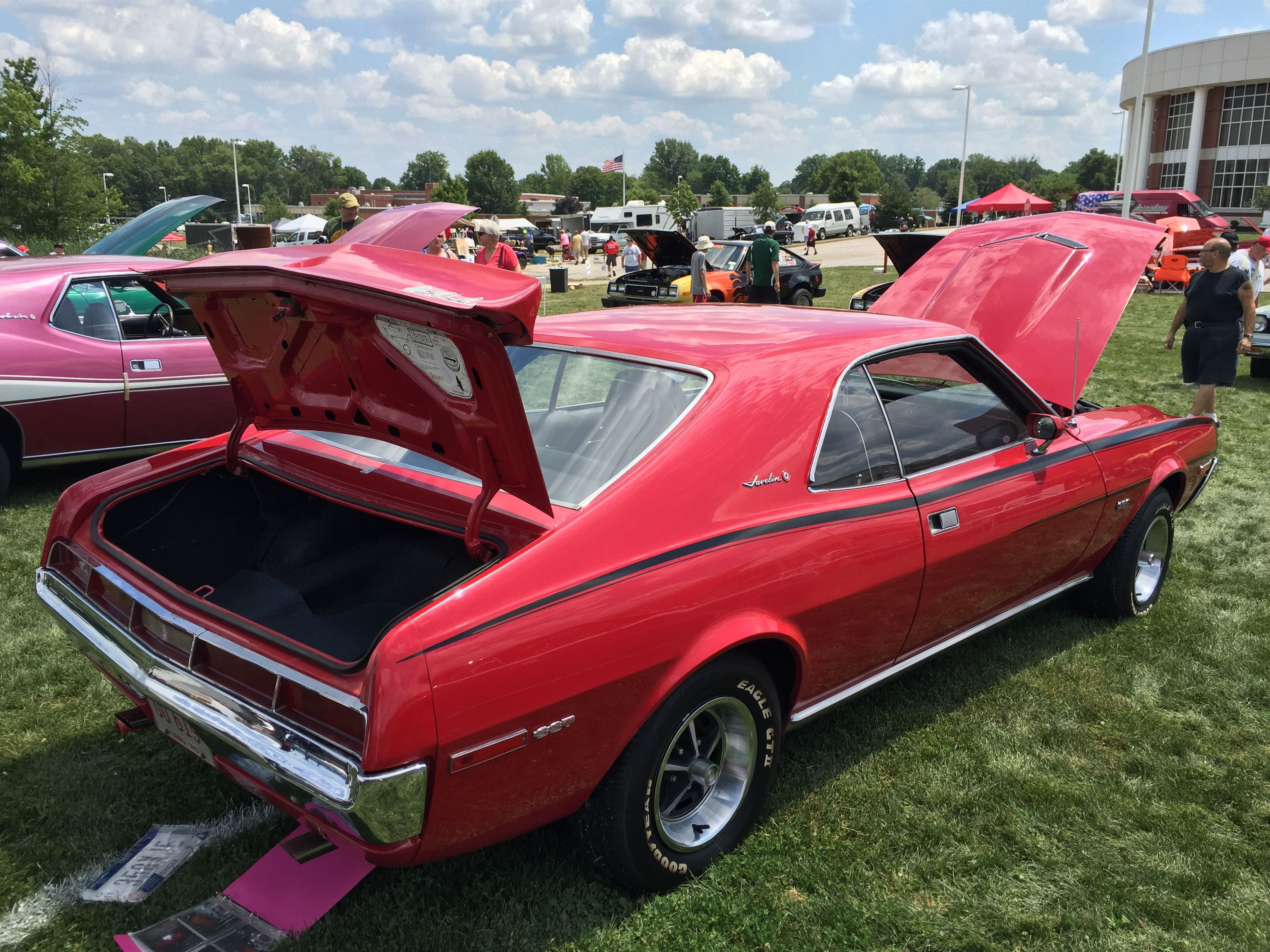 File 1970 AMC Javelin SST with 390 Ram Air V8 red black C stripe AMO