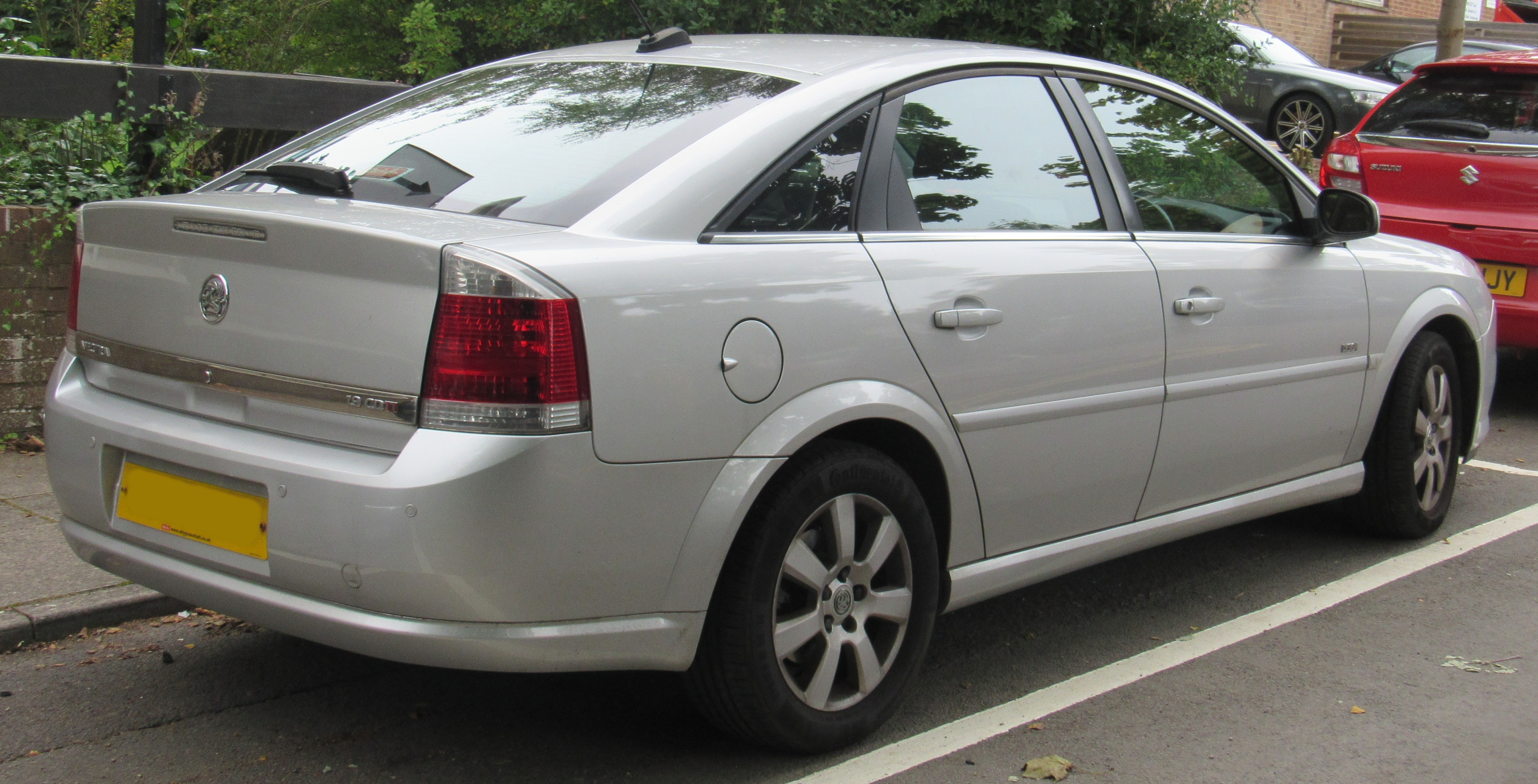 File 2007 Vauxhall Vectra Exclusive Cdti 150 Automatic 2 0 Rear Jpg Wikimedia Commons
