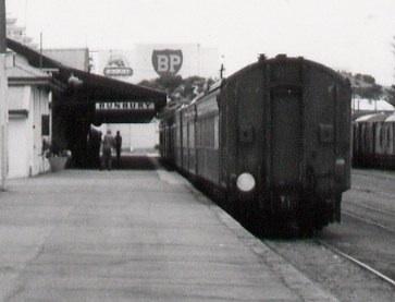 File:Australind Old Bunbury Railway Station 2 jpg - Wikimedia Commons