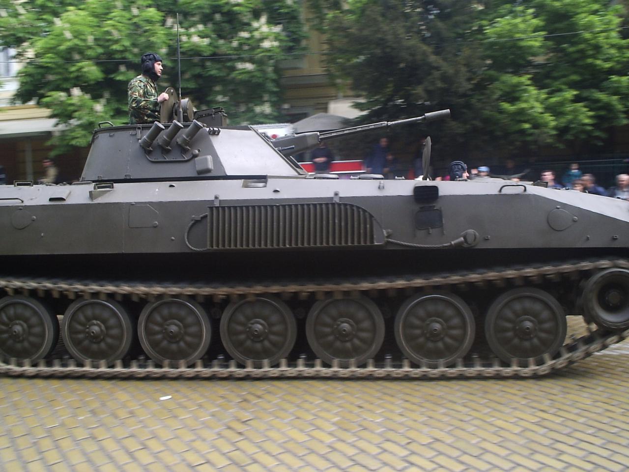 BMP-23parade.jpg?uselang=ru