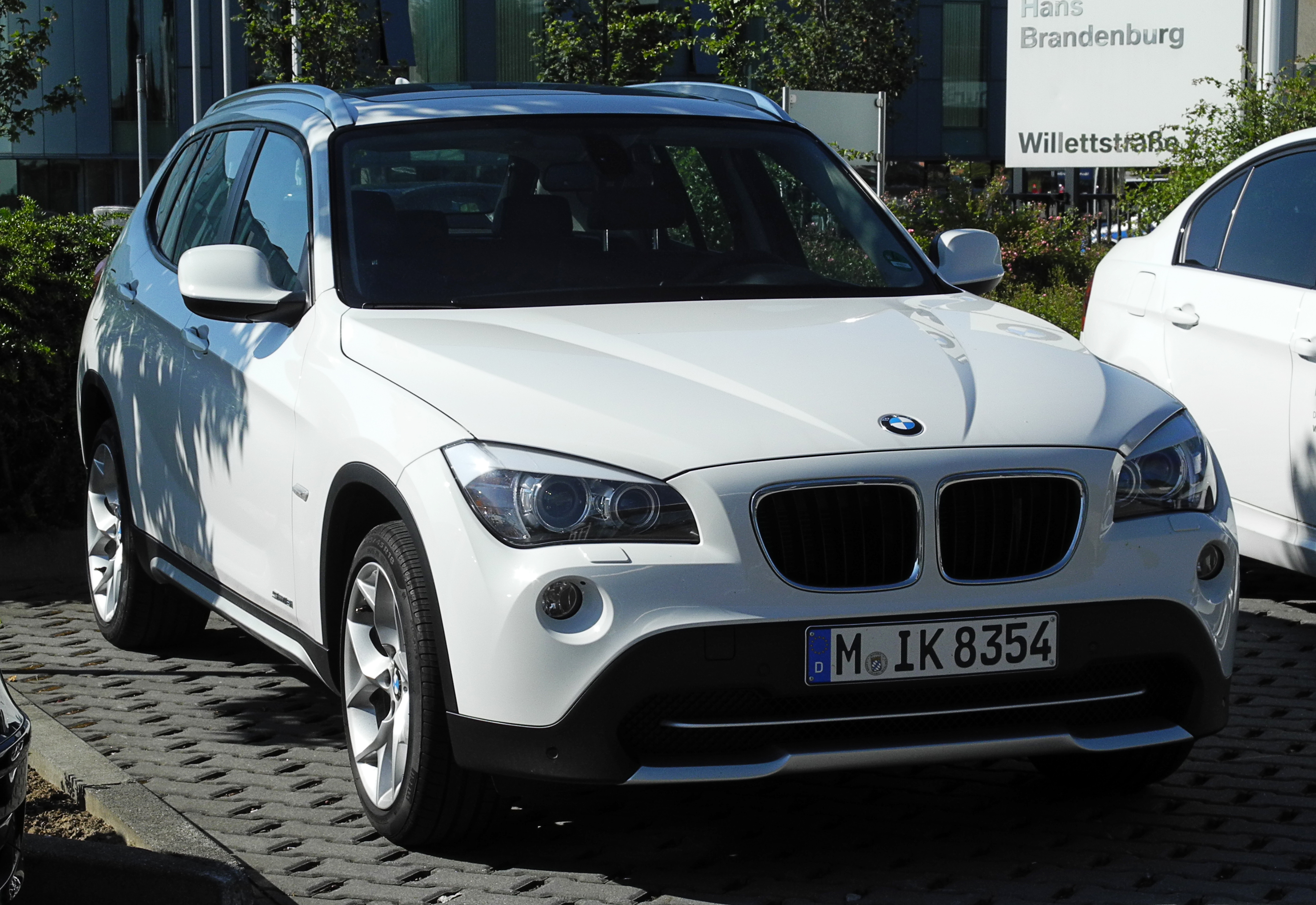plik bmw x1 sdrive18i e84 frontansicht 2 juni 2011 wikipedia wolna. Black Bedroom Furniture Sets. Home Design Ideas