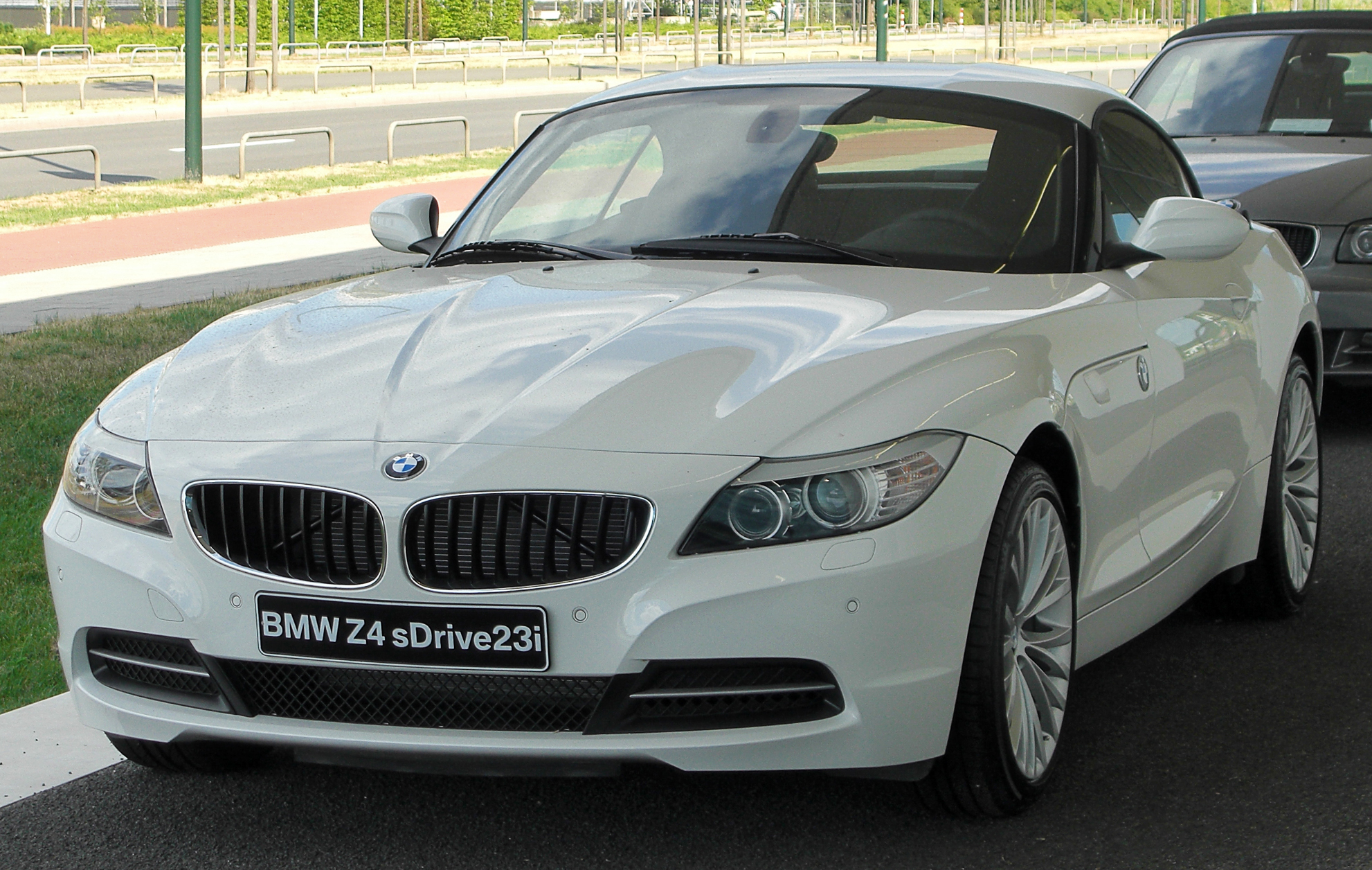 file bmw z4 sdrive23i e89 front wikimedia. Black Bedroom Furniture Sets. Home Design Ideas