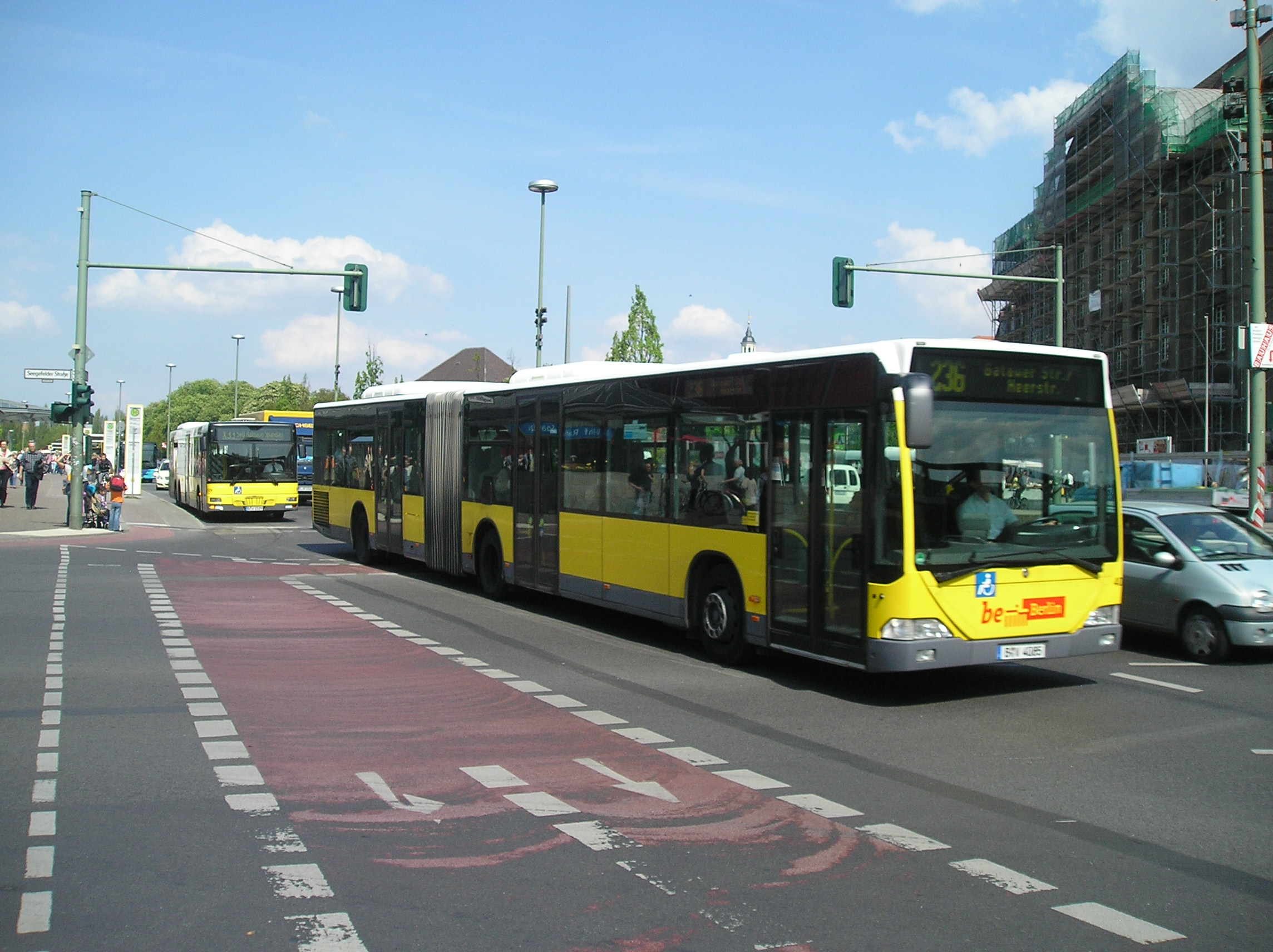 file bvg bus line 236 in spandau jpg wikimedia commons. Black Bedroom Furniture Sets. Home Design Ideas