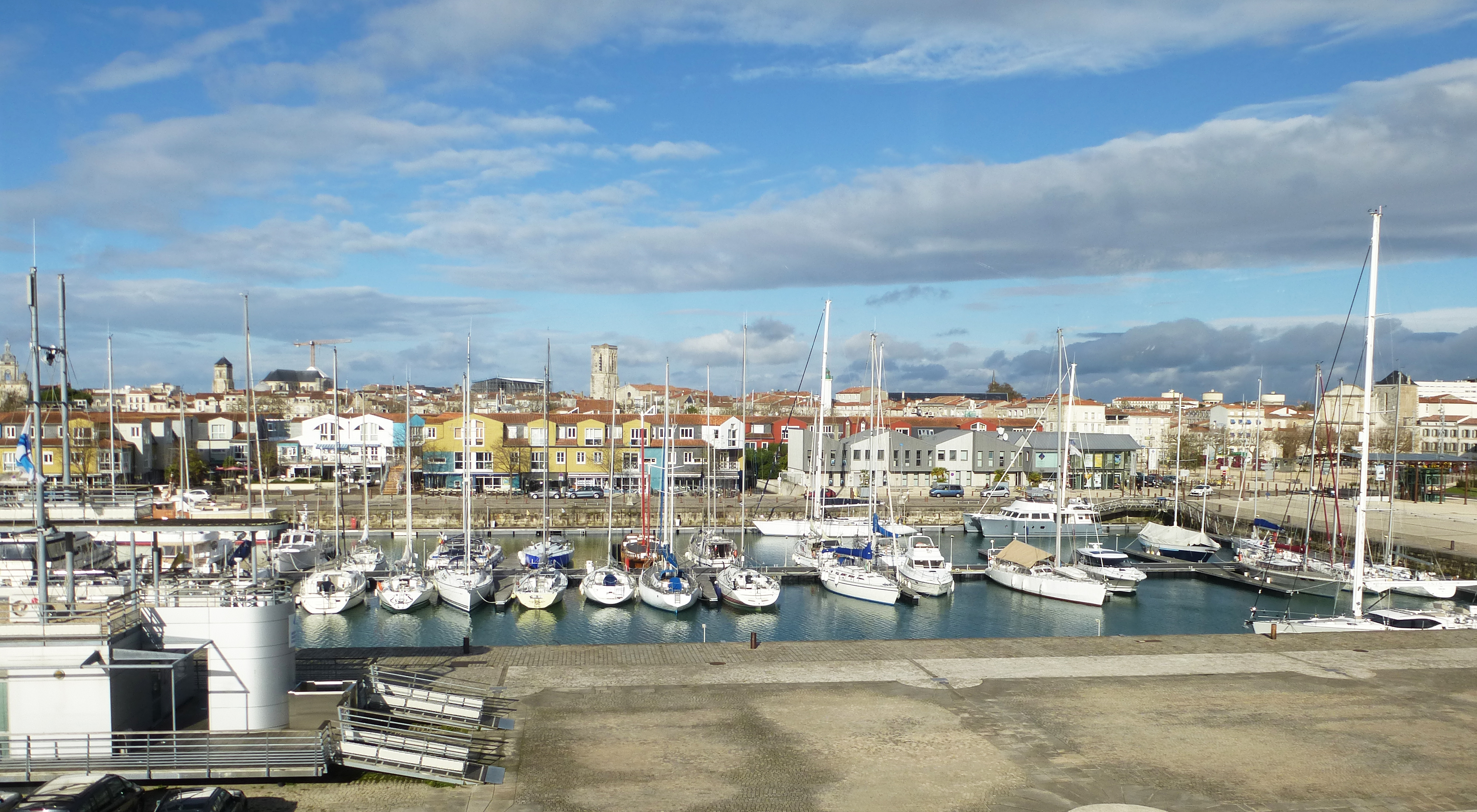 File Bassin Des Chalutiers Port De Plaisance De La Rochelle Jpg Wikimedia Commons