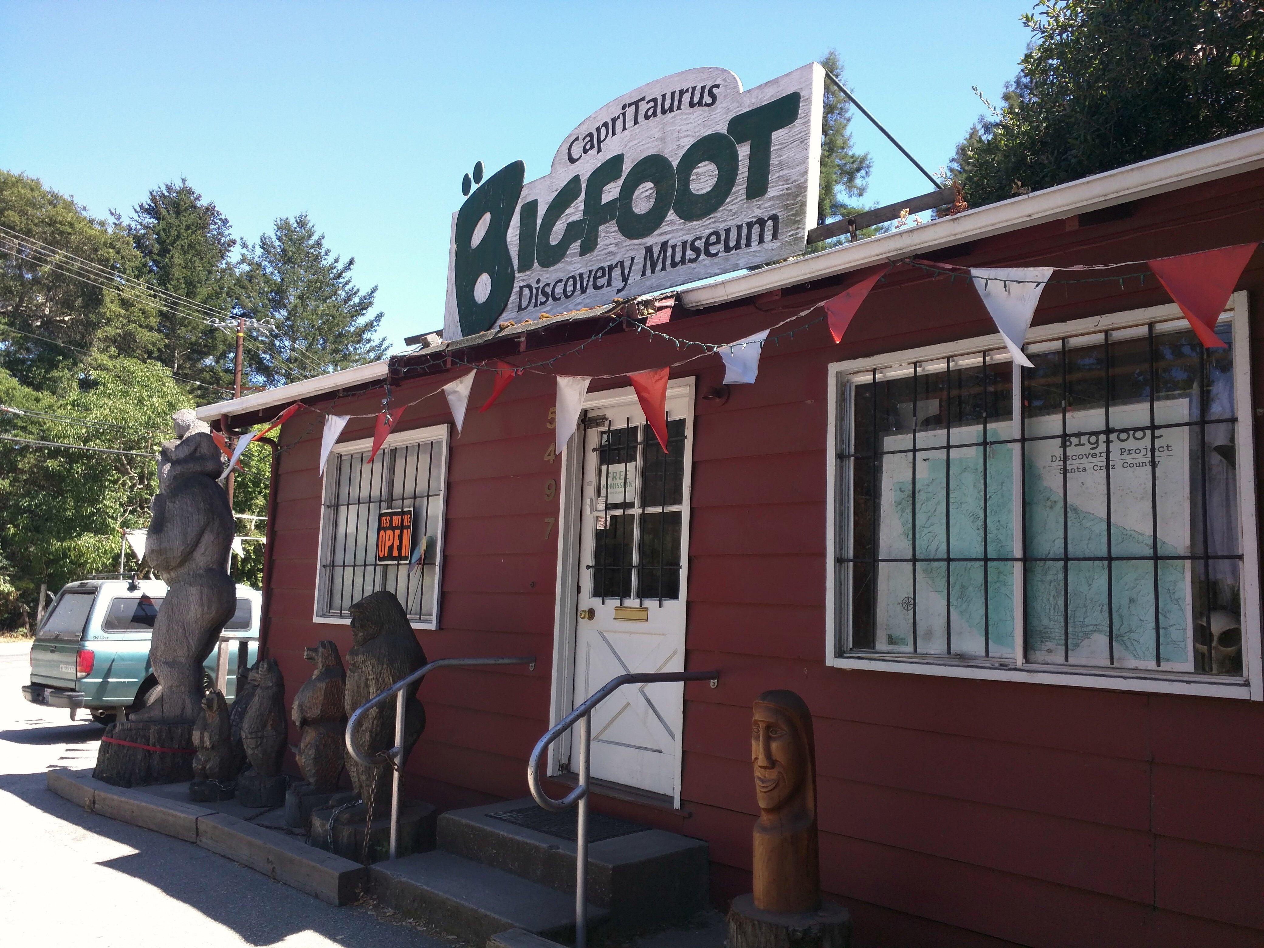 Bigfoot discovery museum in Felton! D (27292772073).jpg