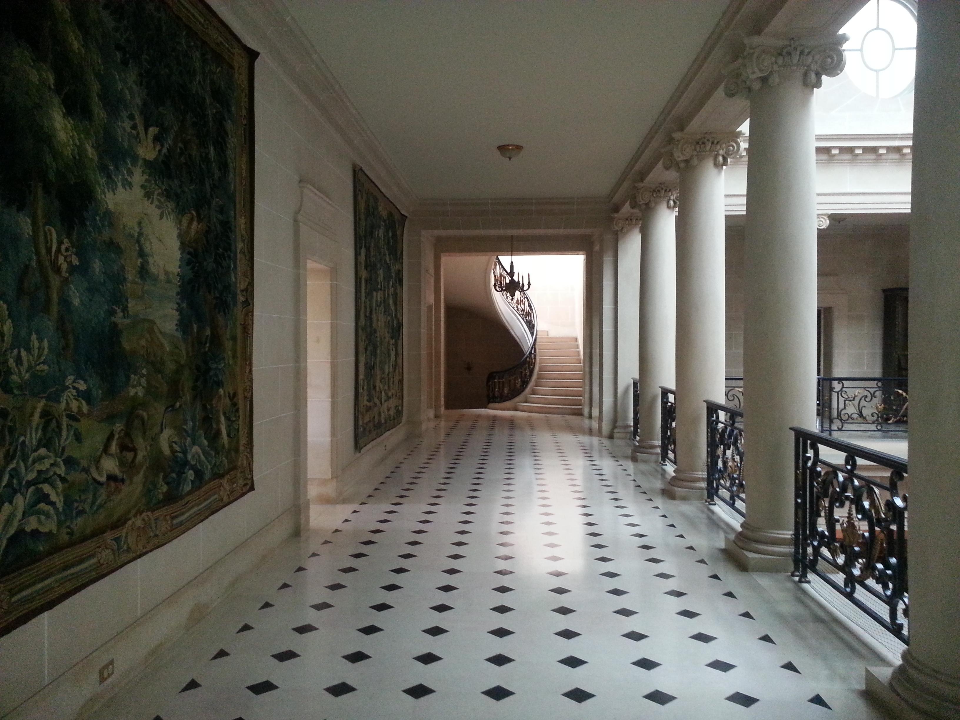 Filecarolands Chateau Interior Upper Galleryjpg