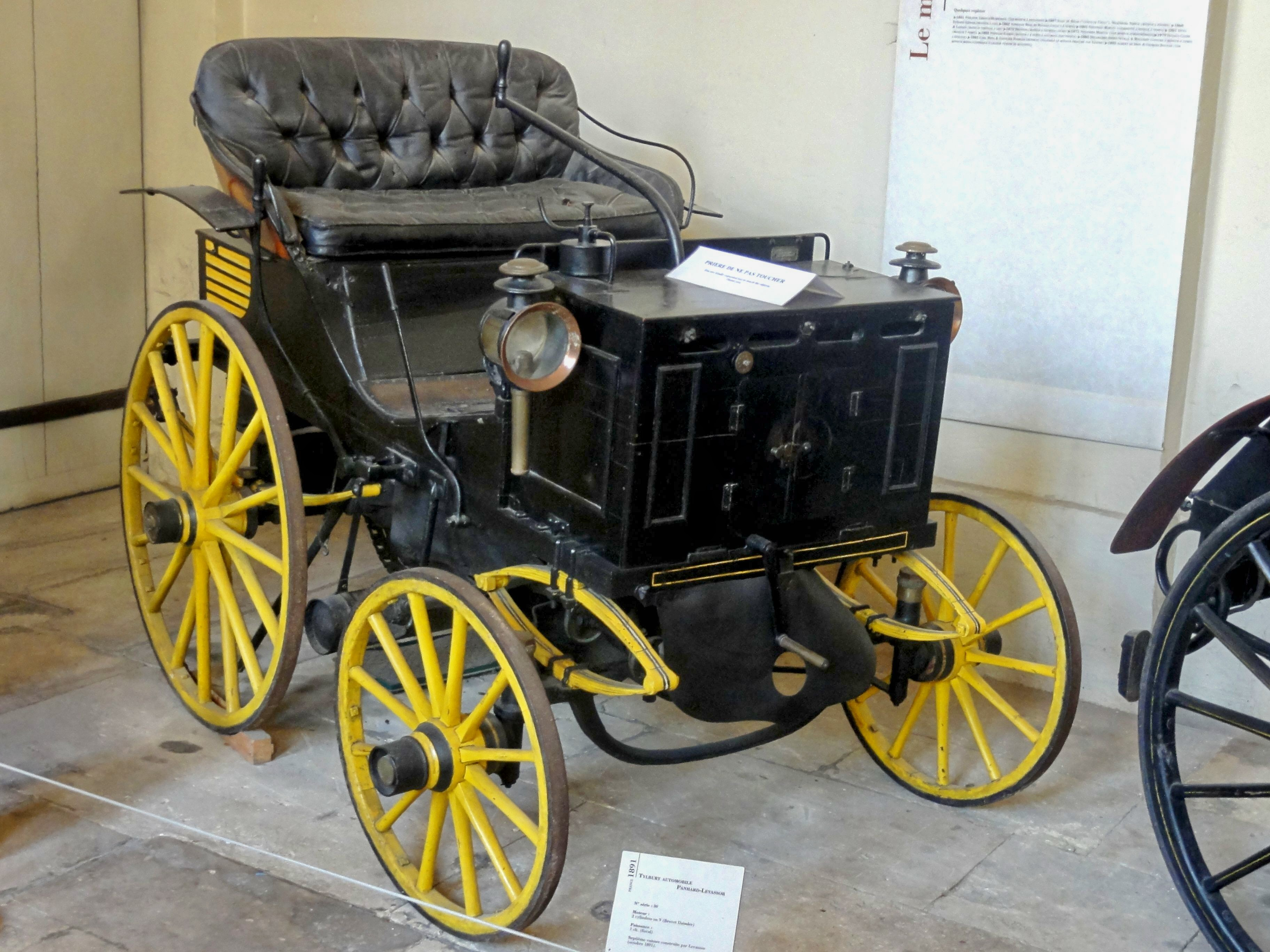 file compi gne 60 mus e de la voiture tilbury automobile panhard levassor 1891. Black Bedroom Furniture Sets. Home Design Ideas