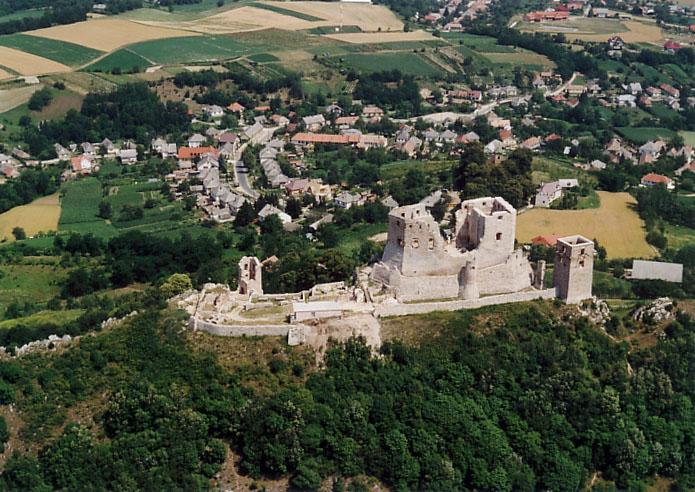 Cseszneki vár és a Cuha-völgyi via-ferrata