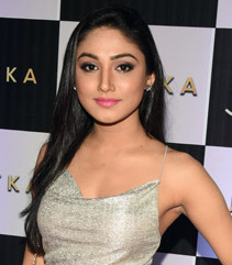 Donal Bisht graces the launch of Jhatka club.jpg