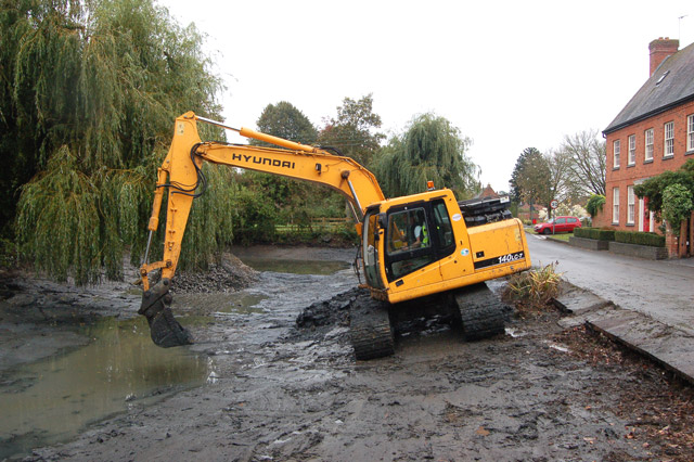 File dredging the pond at willoughby 3 for Small pond equipment