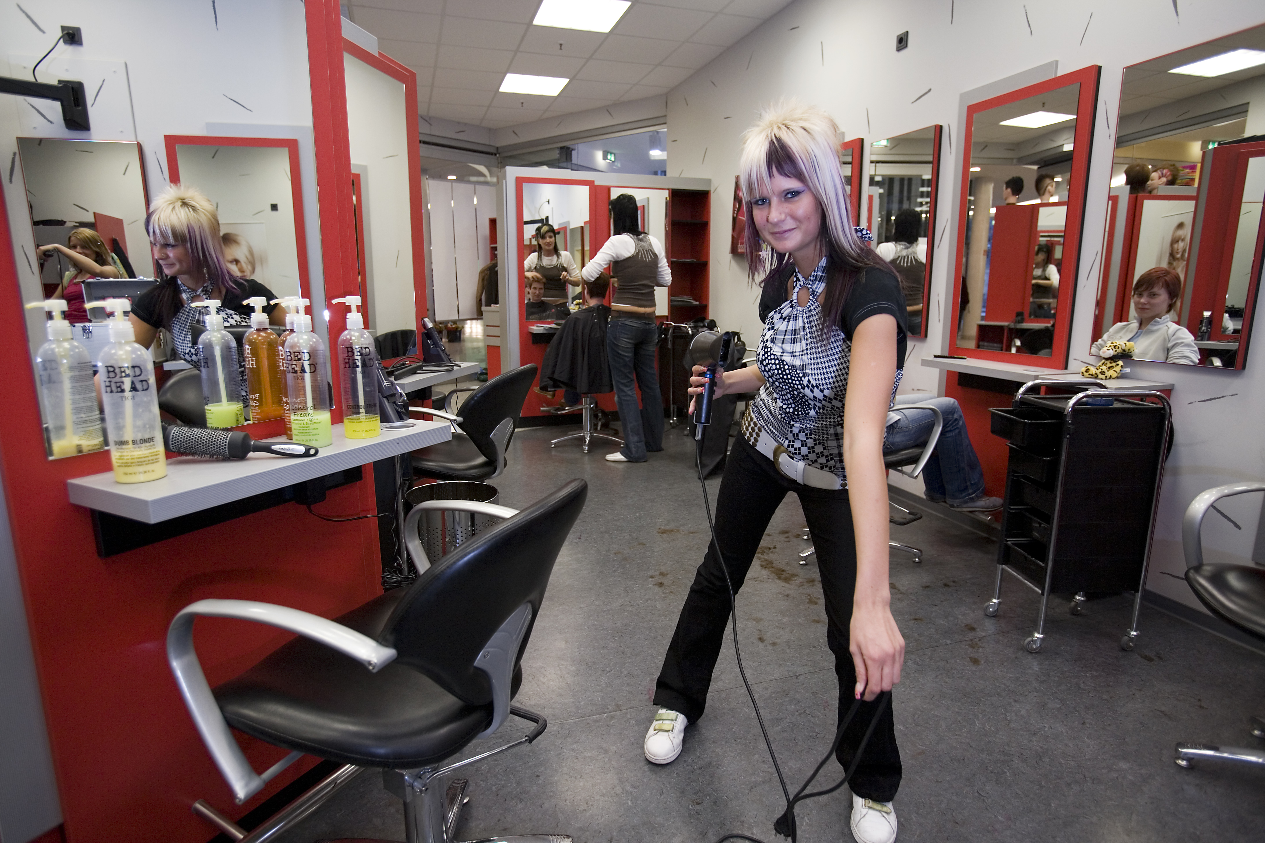 ethical issues for a hair salon Arrives at the salon, she learns the employees did not record her appointment and has to wait an hour for the next available stylist cynthia, the salon owner, decides to try to save money by lowering the quality of the hair care.