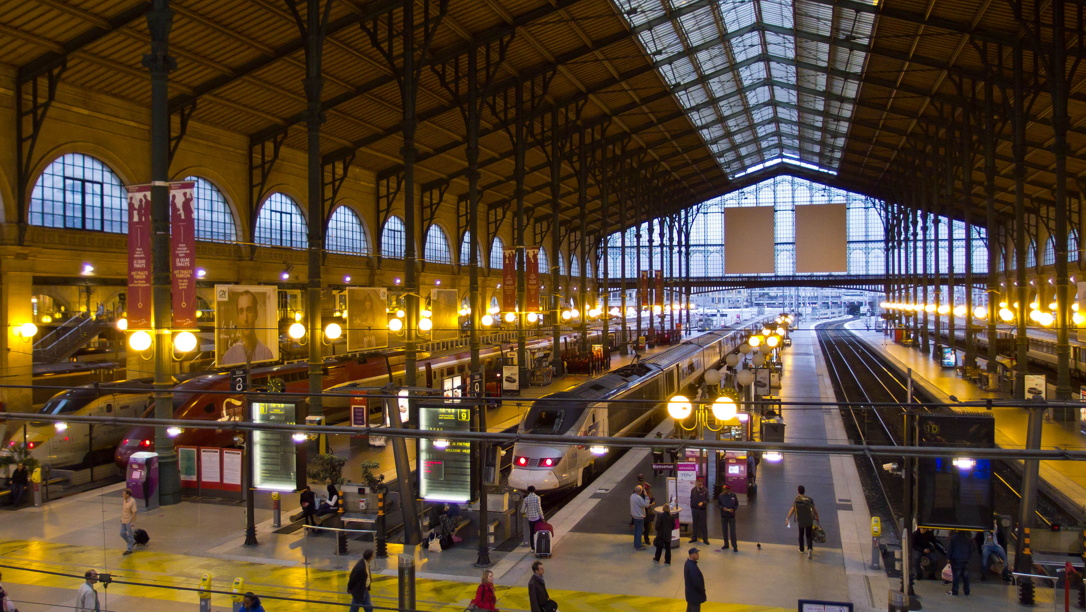 File eurostar paris gare du nord station 8 october 2011 for Gare du nord paris