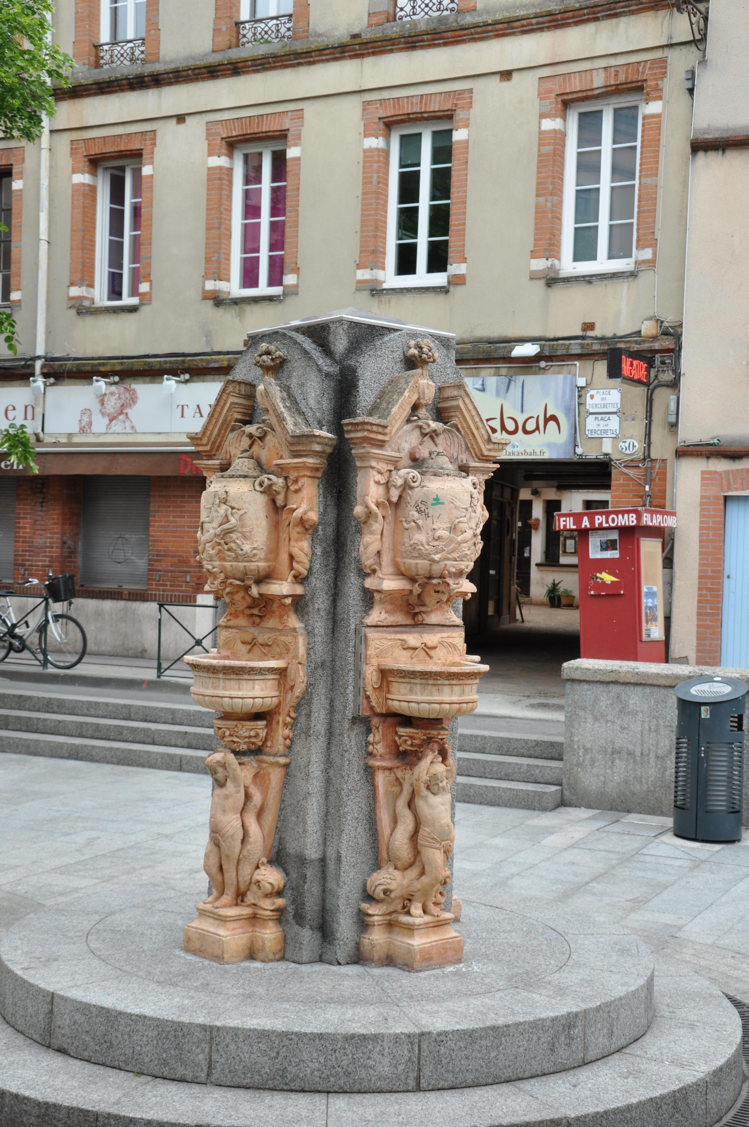 Fichier:Fontaine, Place des Tiercerettes, Toulouse, France ...