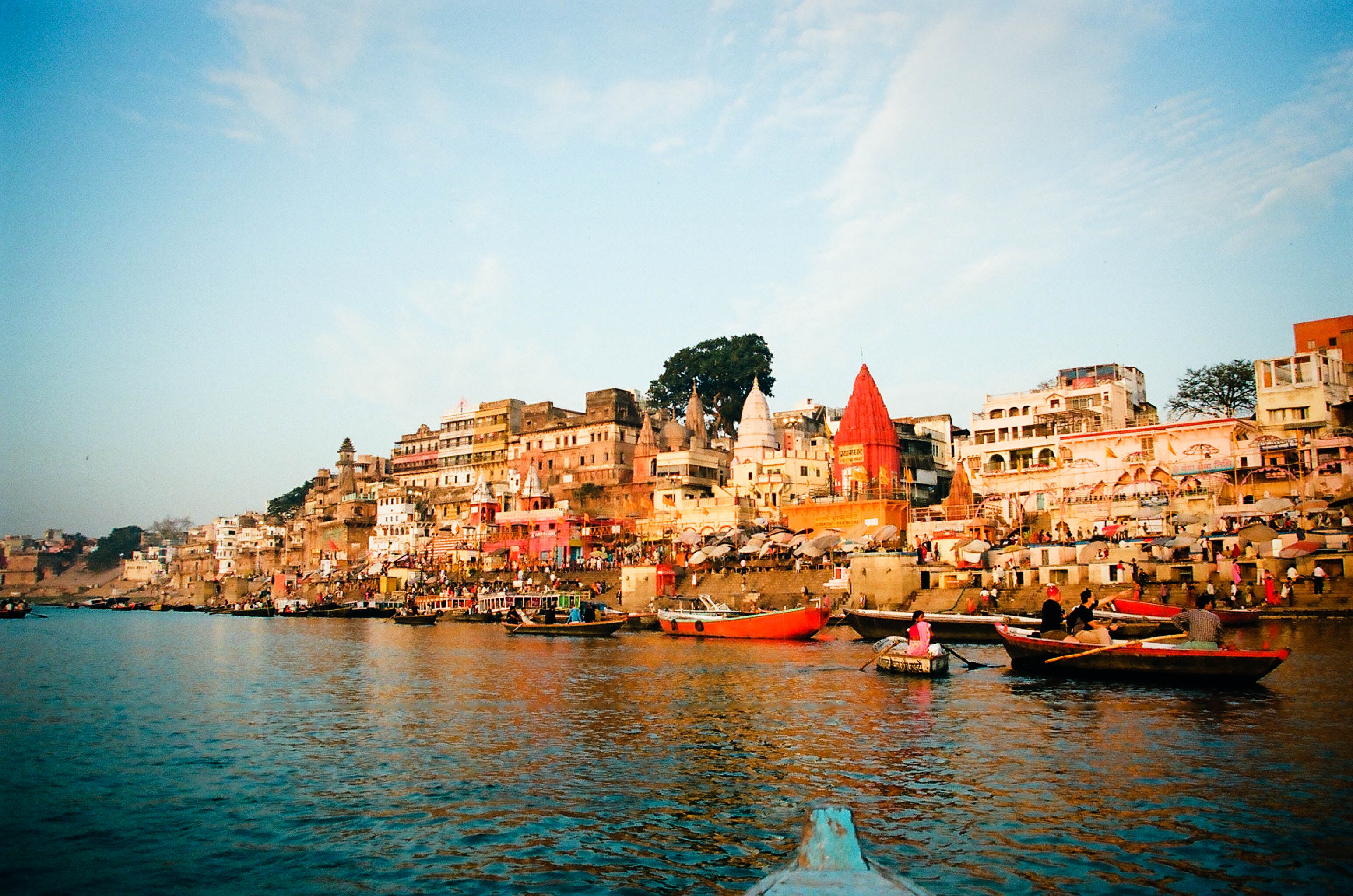 File:Ganges River bank in Varanasi.jpg