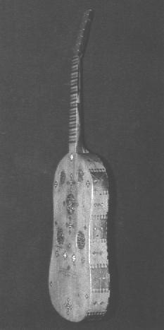 Vihuela aus dem Musée Jacquemart-André - eins von nur 3 erhaltenen Instrumenten