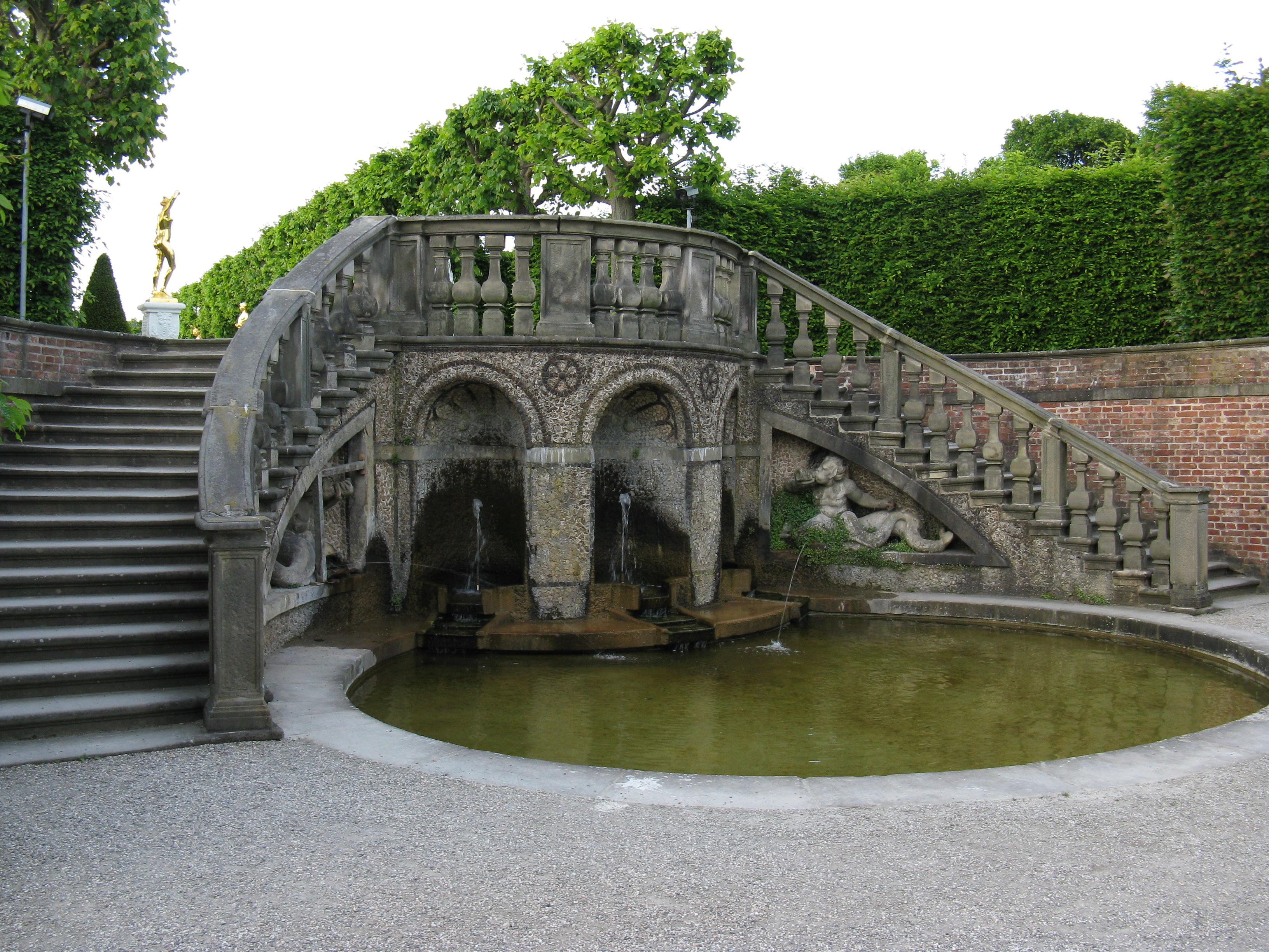 datei:hannover-herrenhausen-großer-garten-treppe-zum-theater