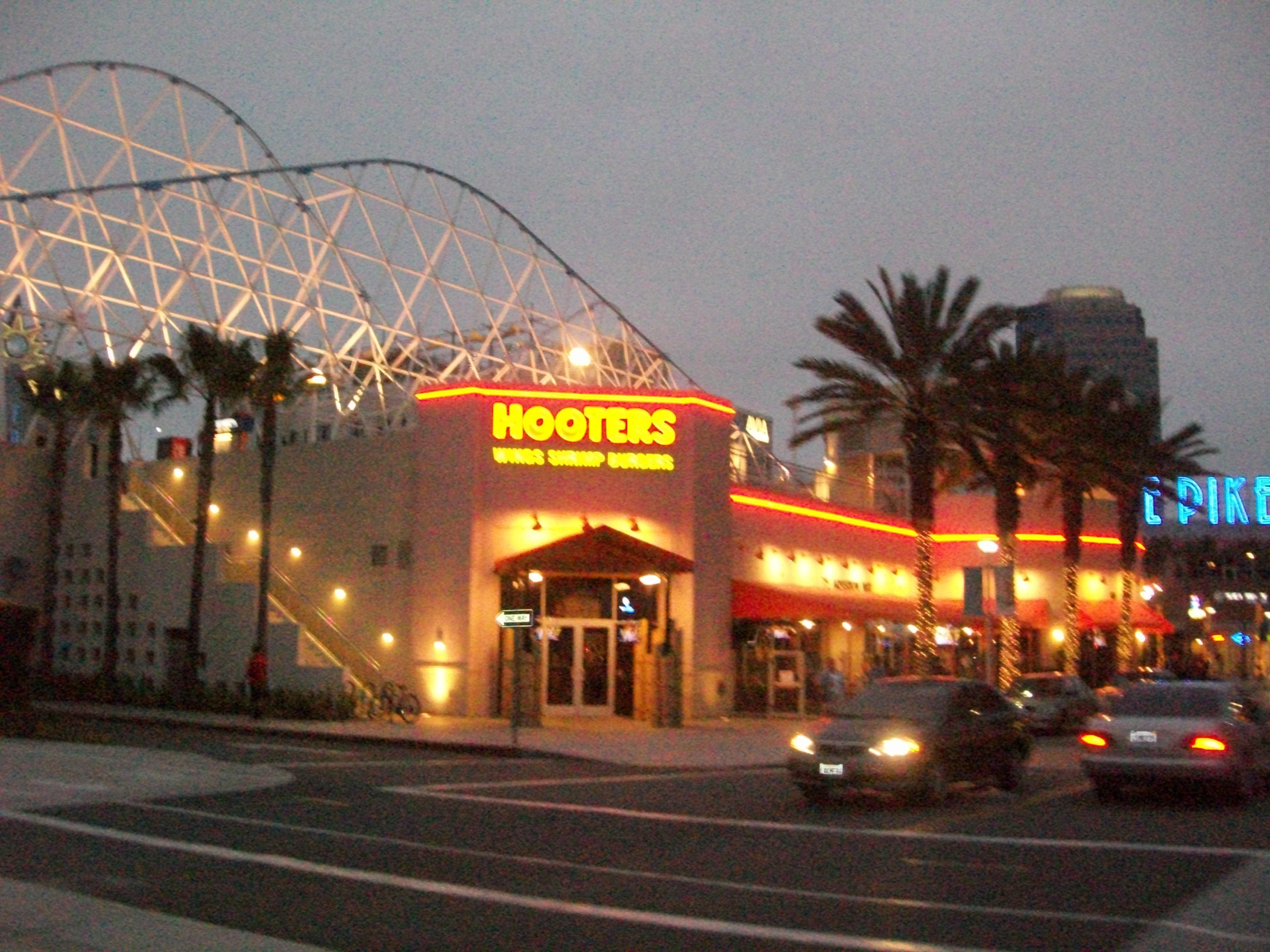 File Hooters Restaurant In Long Beach Ca Panoramio Jpg Wikimedia Commons