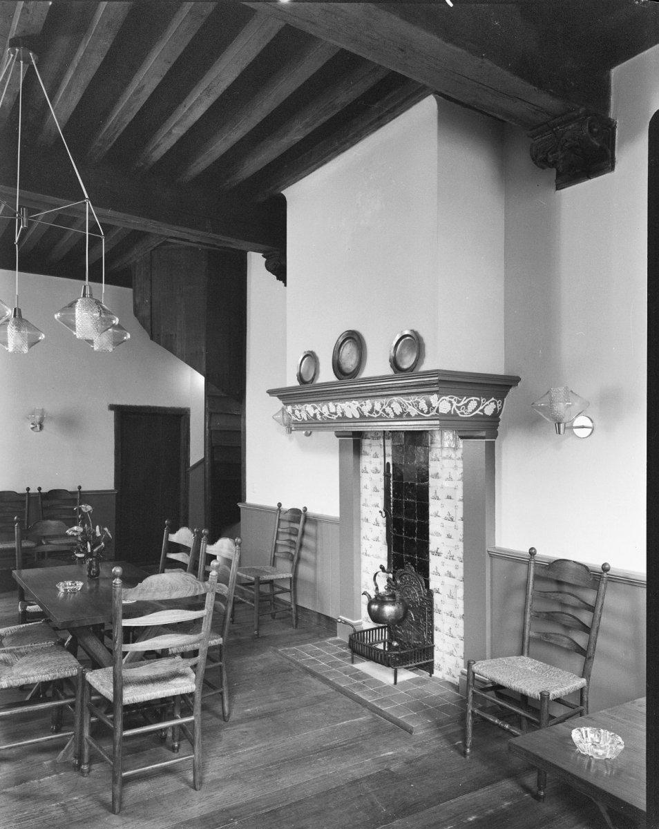 File:Interieur woonkamer 1e etage - Dordrecht - 20062906 - RCE.jpg ...