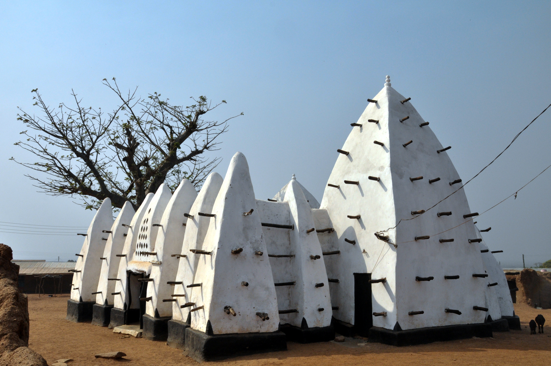 File larabanga mosque wikipedia for Architecture africaine