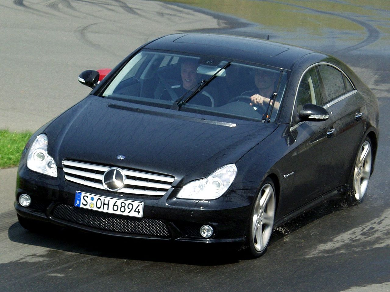 file mercedes amg cls 55 demonstration of drifting 1a wikimedia commons. Black Bedroom Furniture Sets. Home Design Ideas