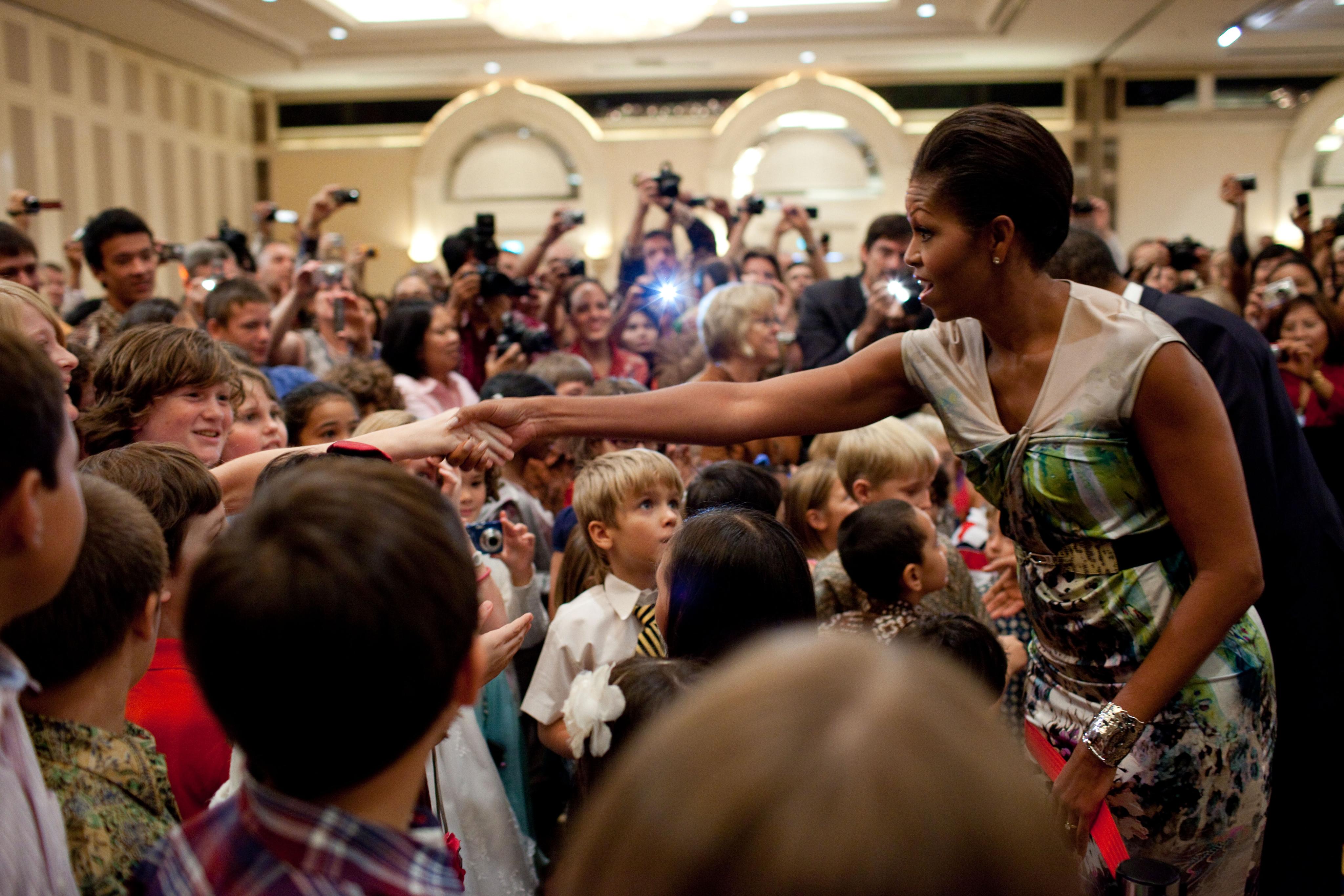 Filemichelle obama with children in jakartag wikimedia commons filemichelle obama with children in jakartag m4hsunfo
