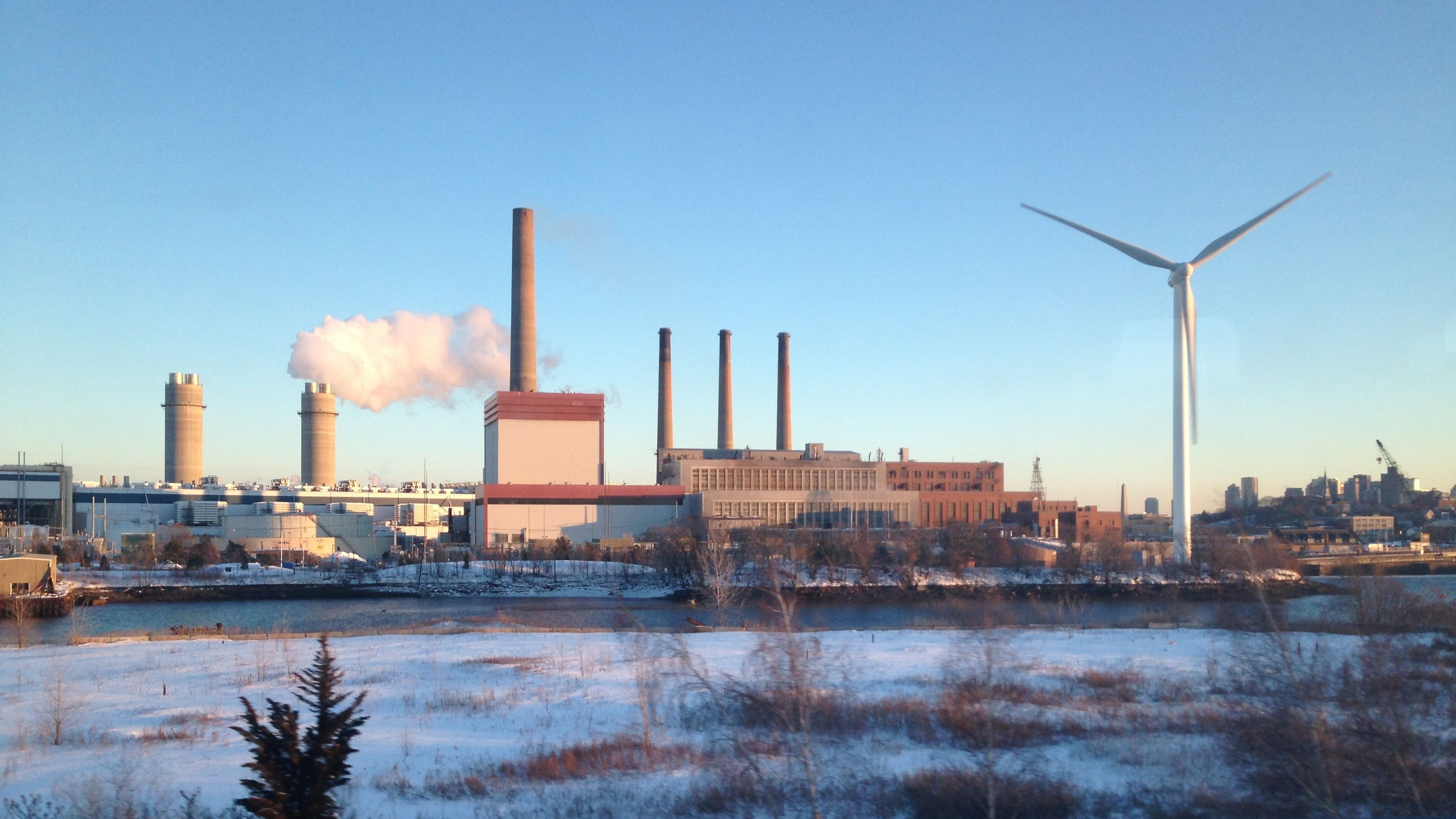File:Mystic Generating Station, Everett MA.jpg - Wikimedia Commons