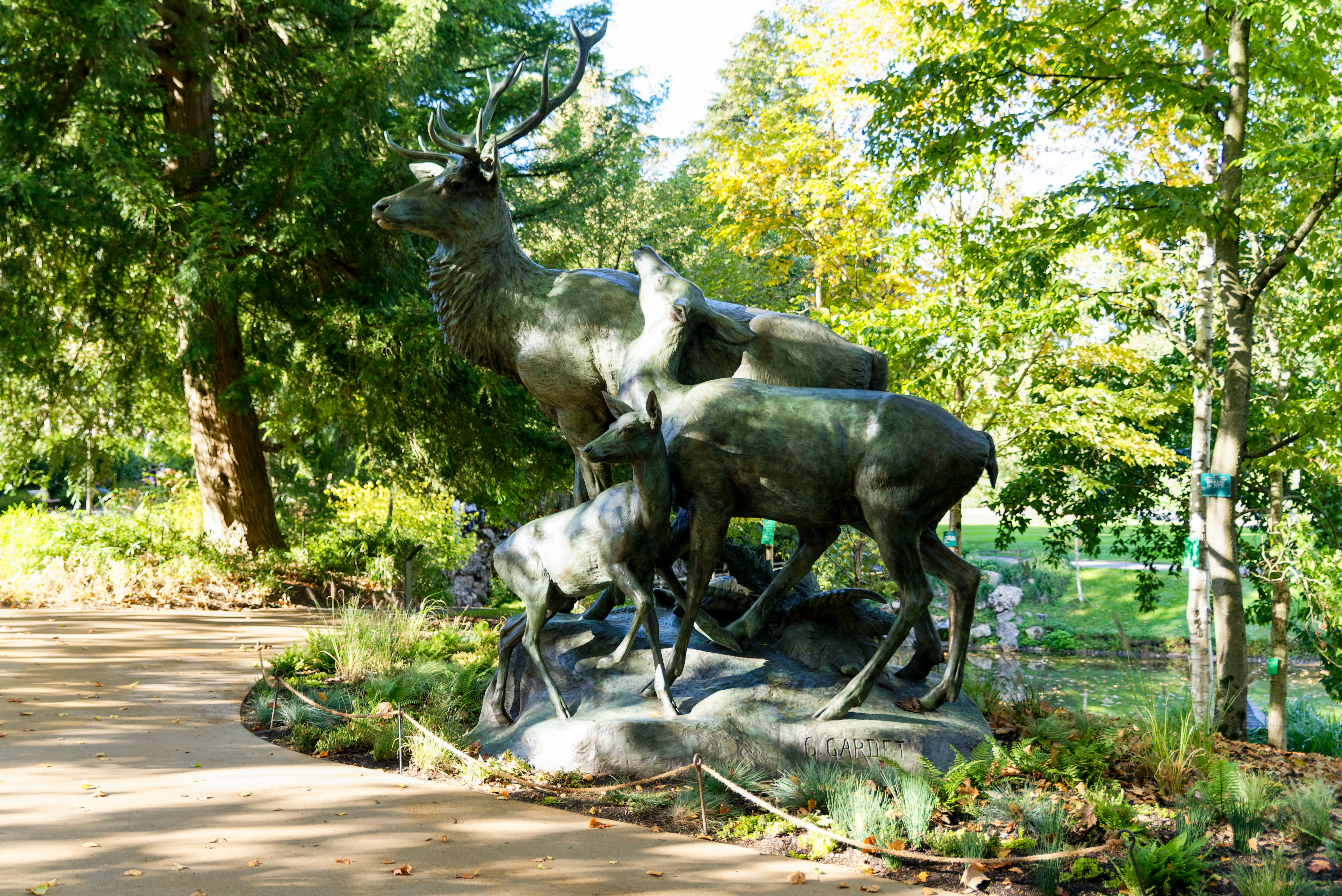 File:Nantes - Jardin des Plantes - Les Cerfs au repos - 05 ...