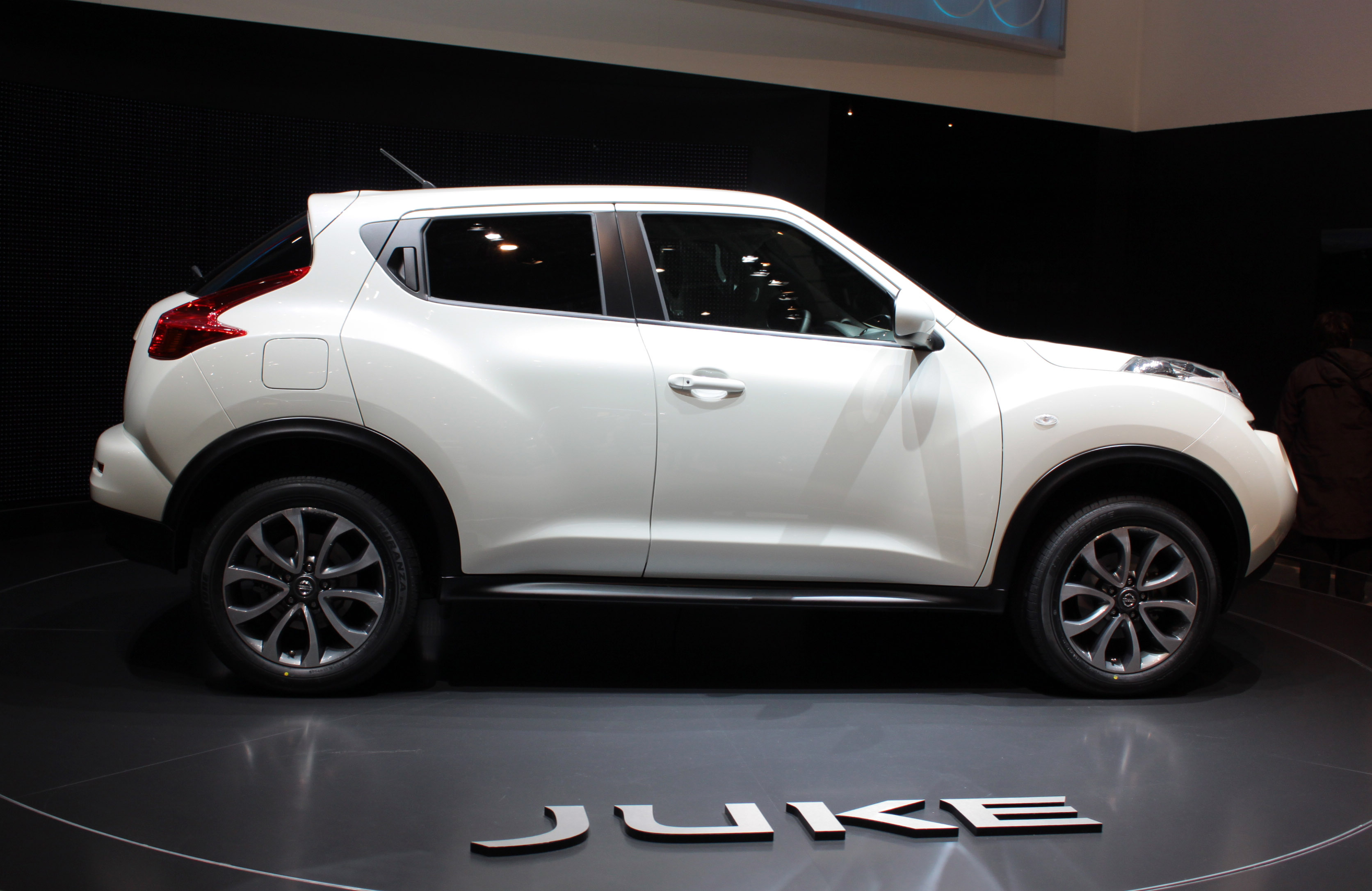 file nissan juke 25 jpg wikipedia. Black Bedroom Furniture Sets. Home Design Ideas