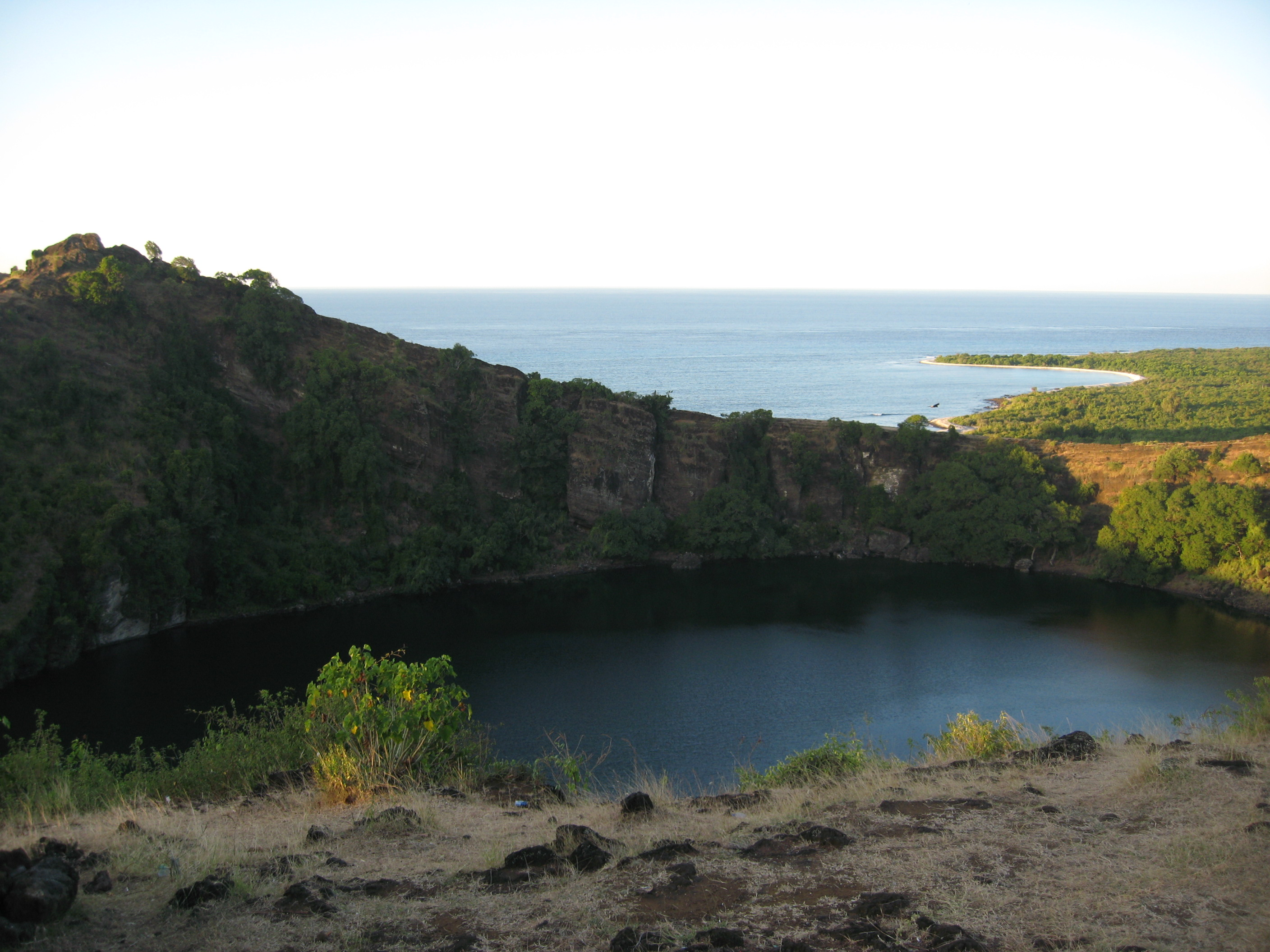 file old volcanic crater grande wikimedia commons