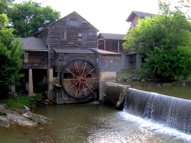 Pigeon Forge Attractions Car Shows