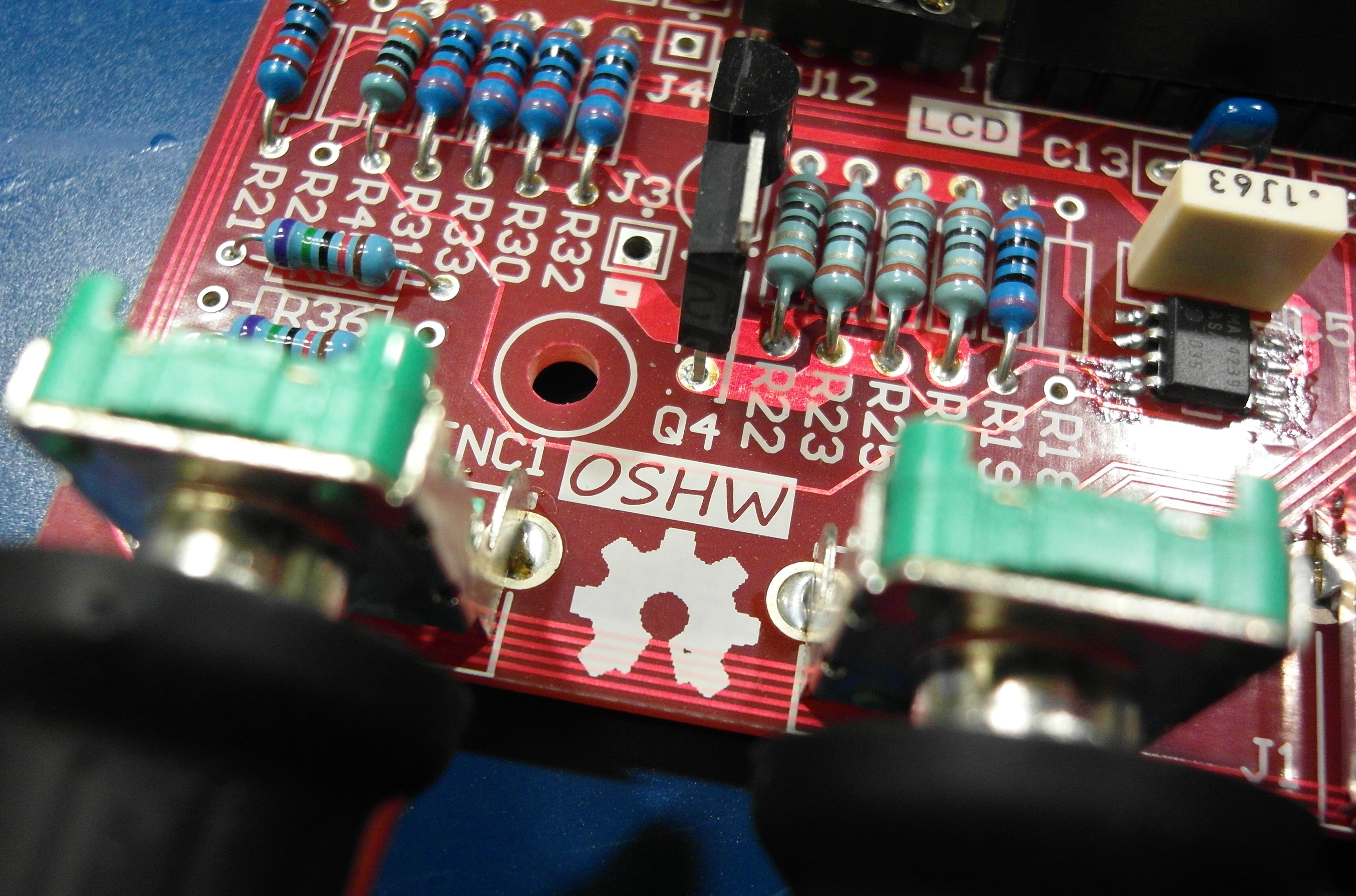 File:Open Source Hardware (OSHW) Logo on populated PCB.jpg ...
