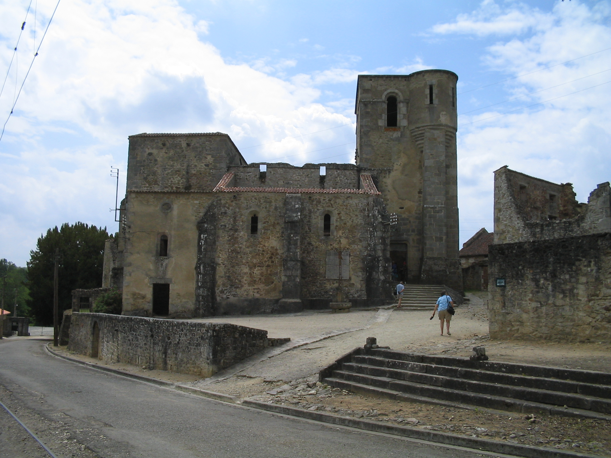 File Oradour Sur Glane Church 1295 Jpg Wikimedia Commons