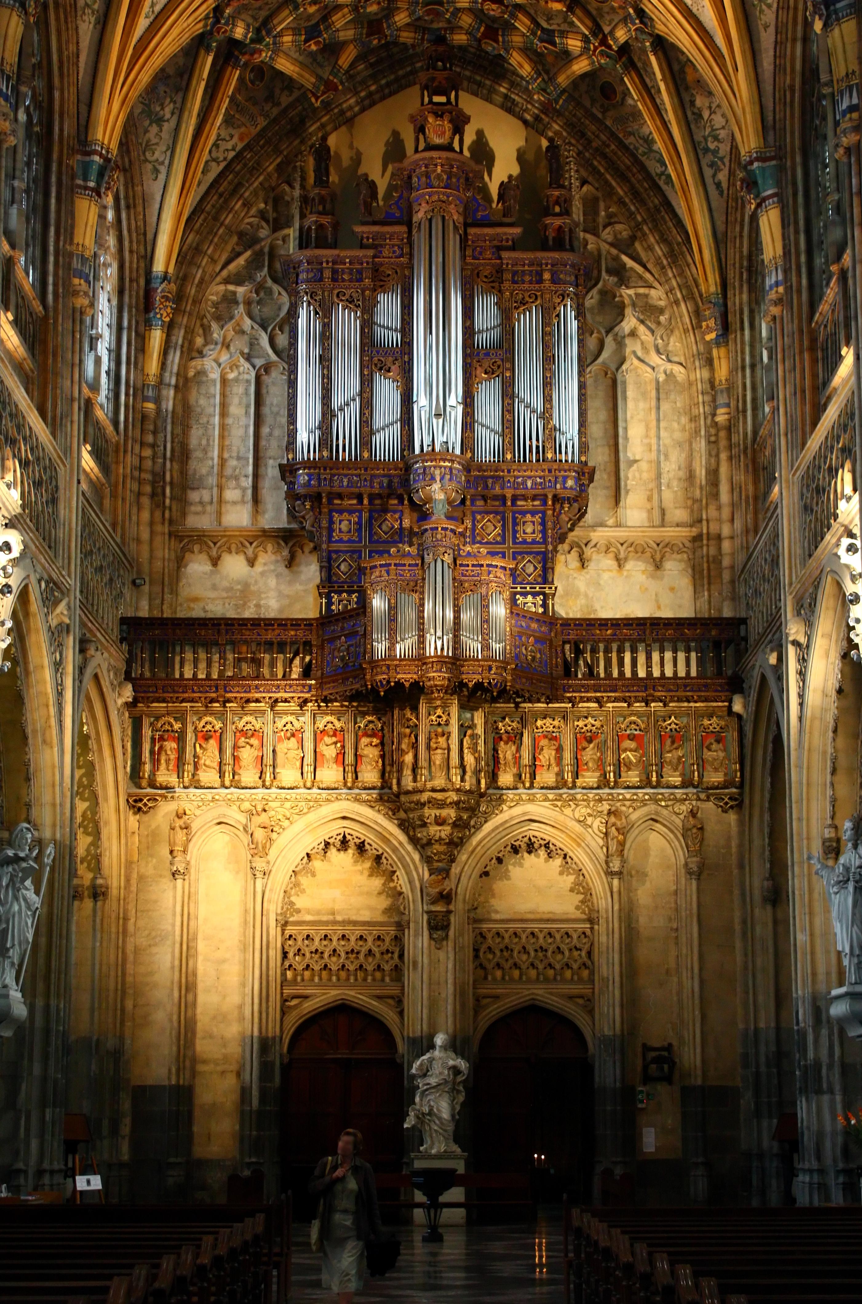 File:Orgue et mur d\'entrée de l\'Église Saint-Jacques-le-Mineur.jpg ...