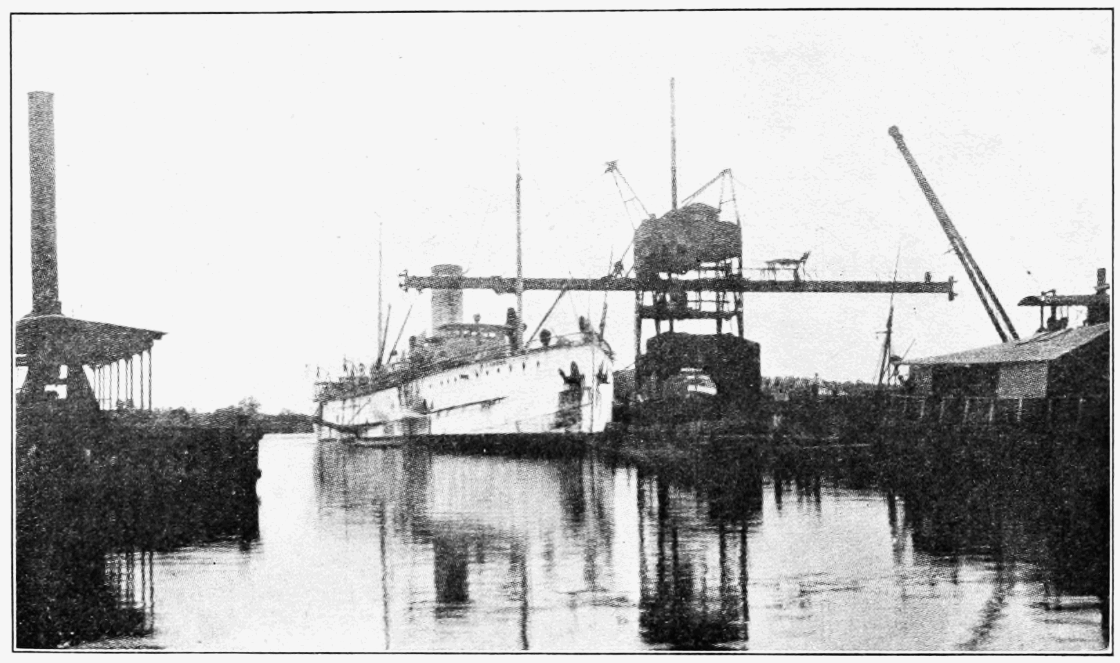 PSM V74 D424 Seagoing suction dredge ancon at cristobel.png