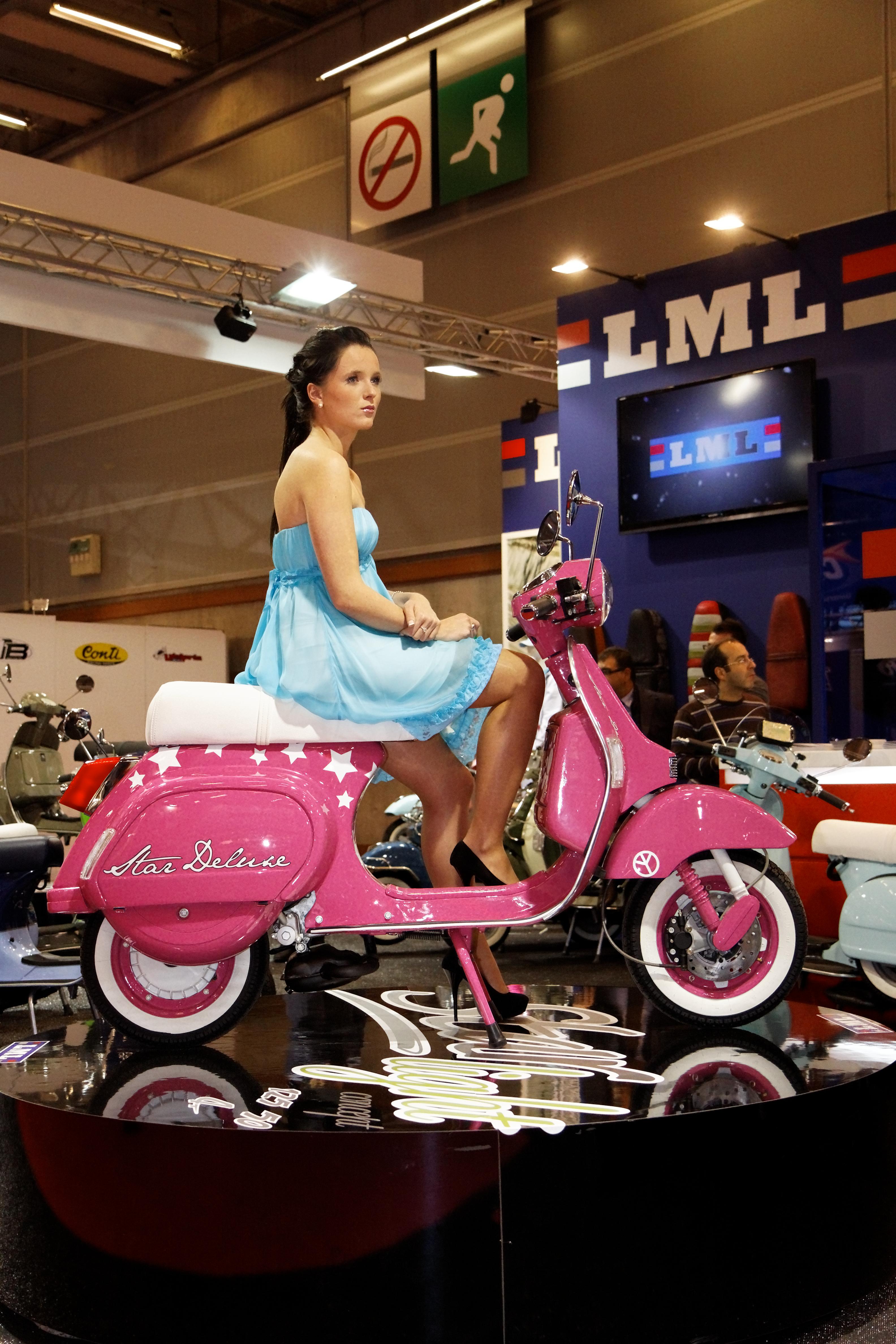 File:Paris - Salon de la moto 2011 - LML - Star Deluxe - 002 ...