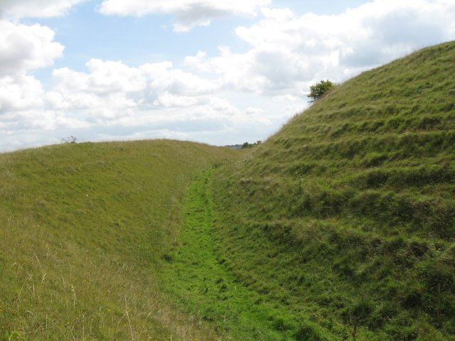 Ramparts and ditch, Hod Hill - geograph.org.uk - 1425261