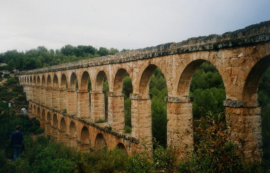 Descrizione Roman aqueduct Tarragona jpgRoman Aqueduct